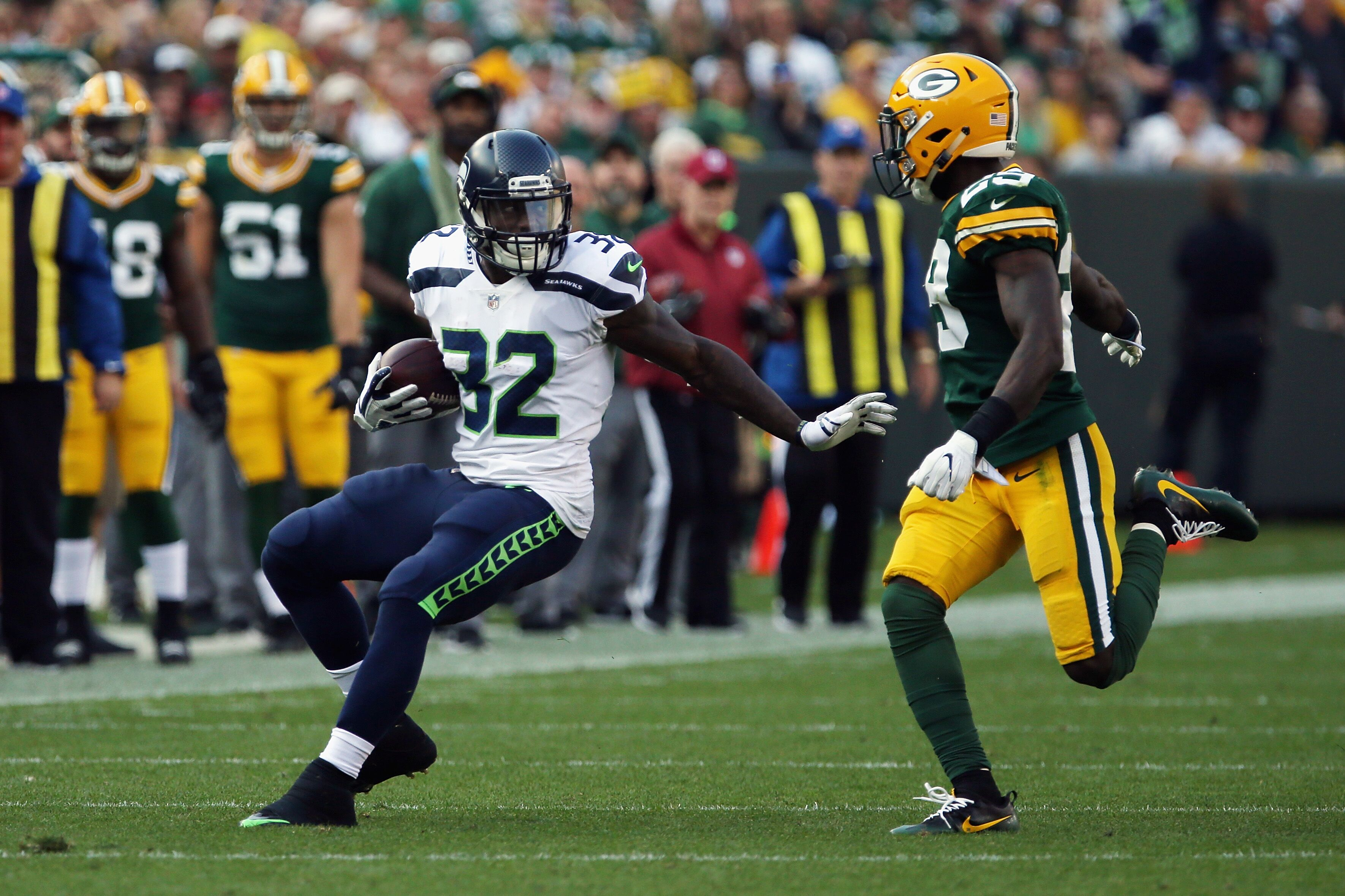 Seahawks vs. Packers: Staff predictions leaning towards a Seattle win