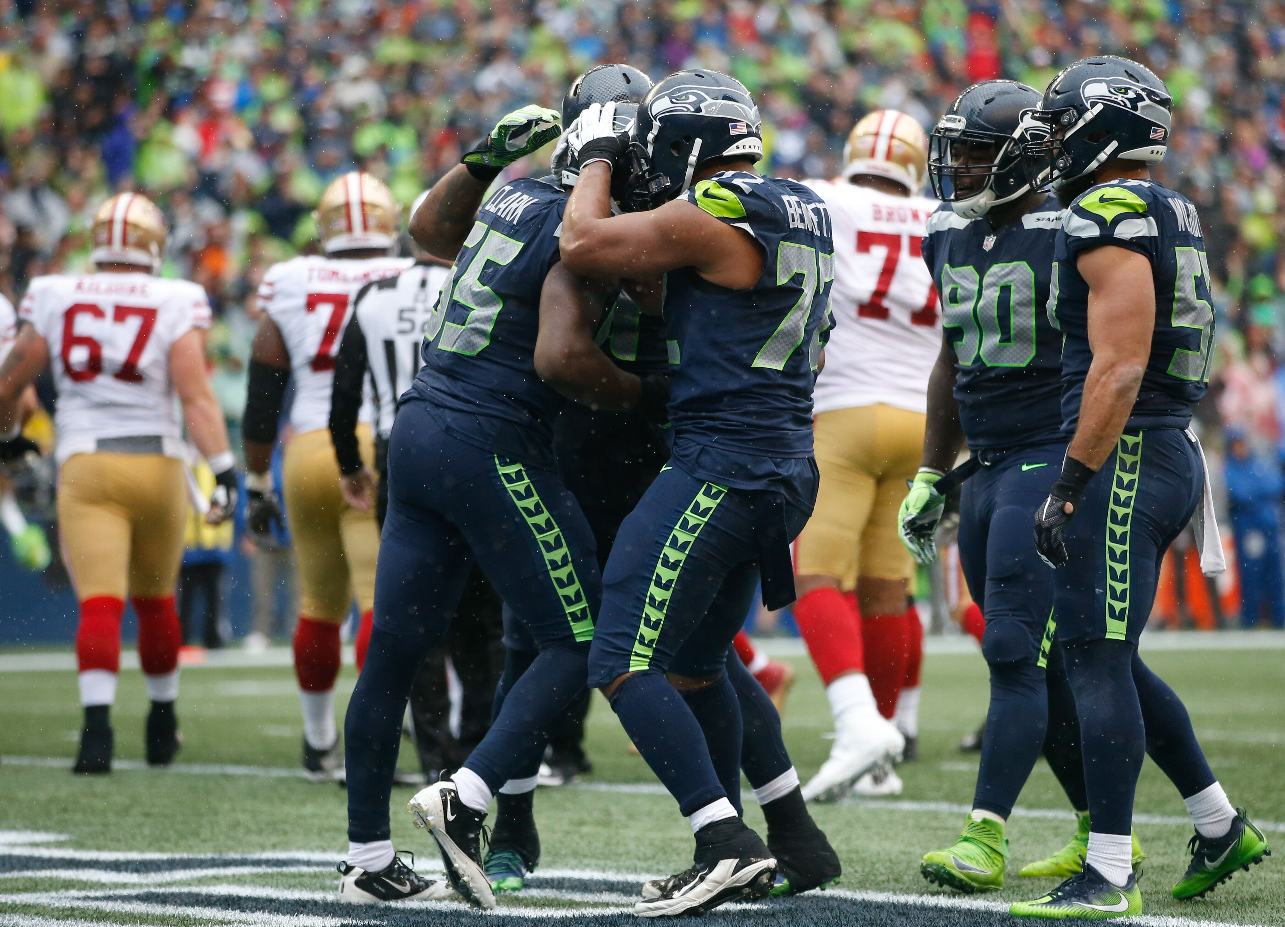 848629636-san-francisco-49ers-v-seattle-seahawks.jpg