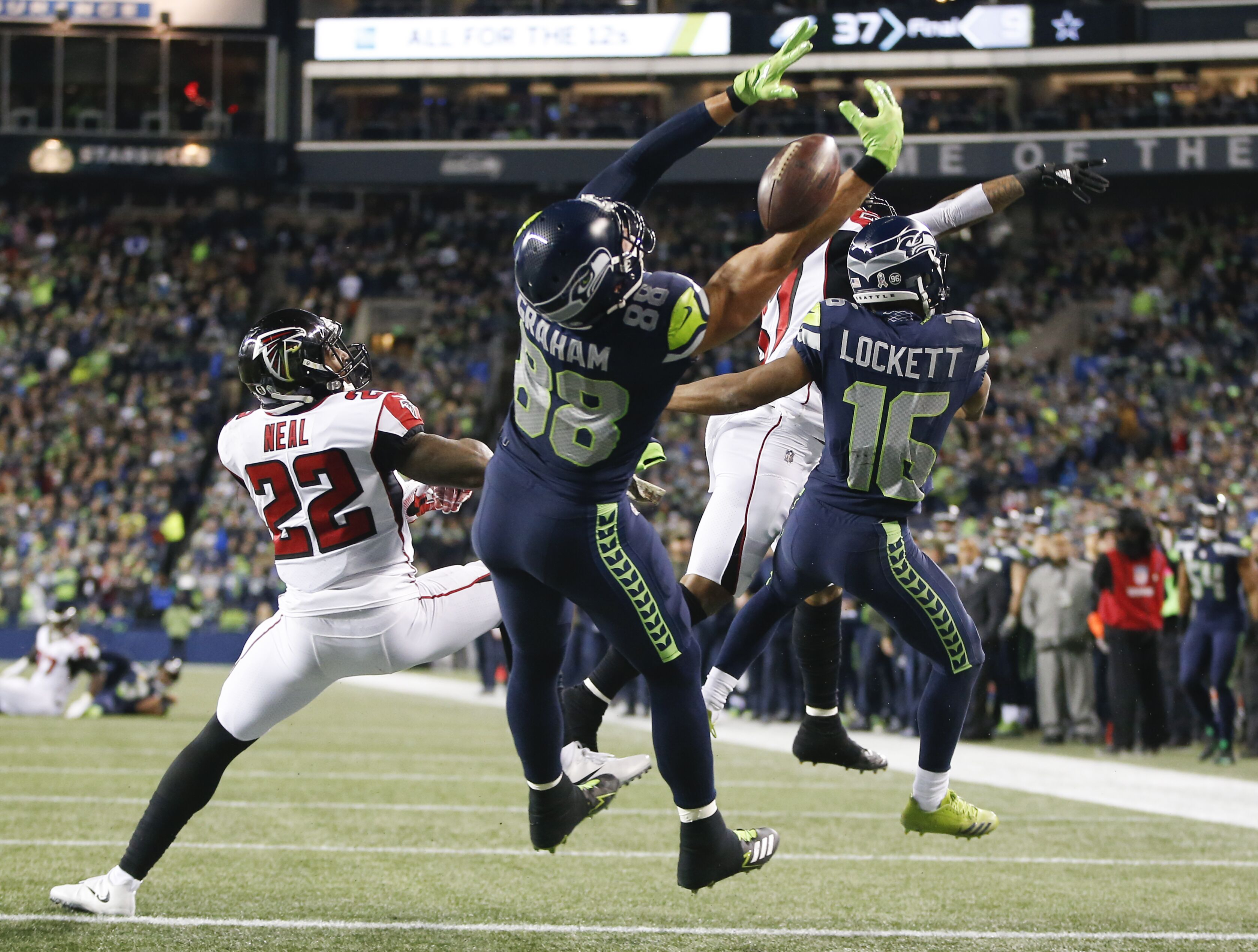 Seahawks 2018 outlook  Should Seattle re-sign Jimmy Graham  e72a2846f
