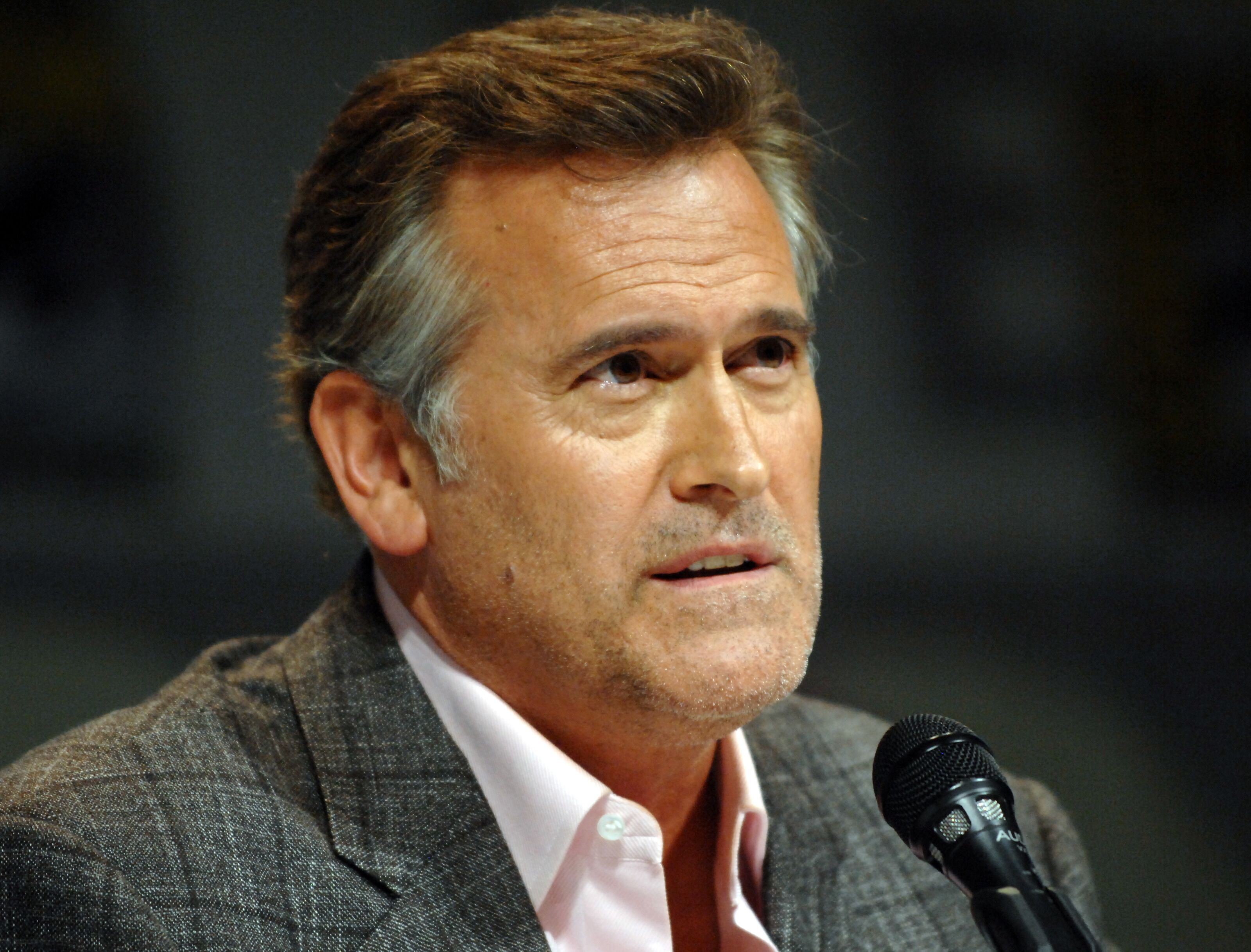 Bruce Campbell gives everyone an update on the new Evil Dead film