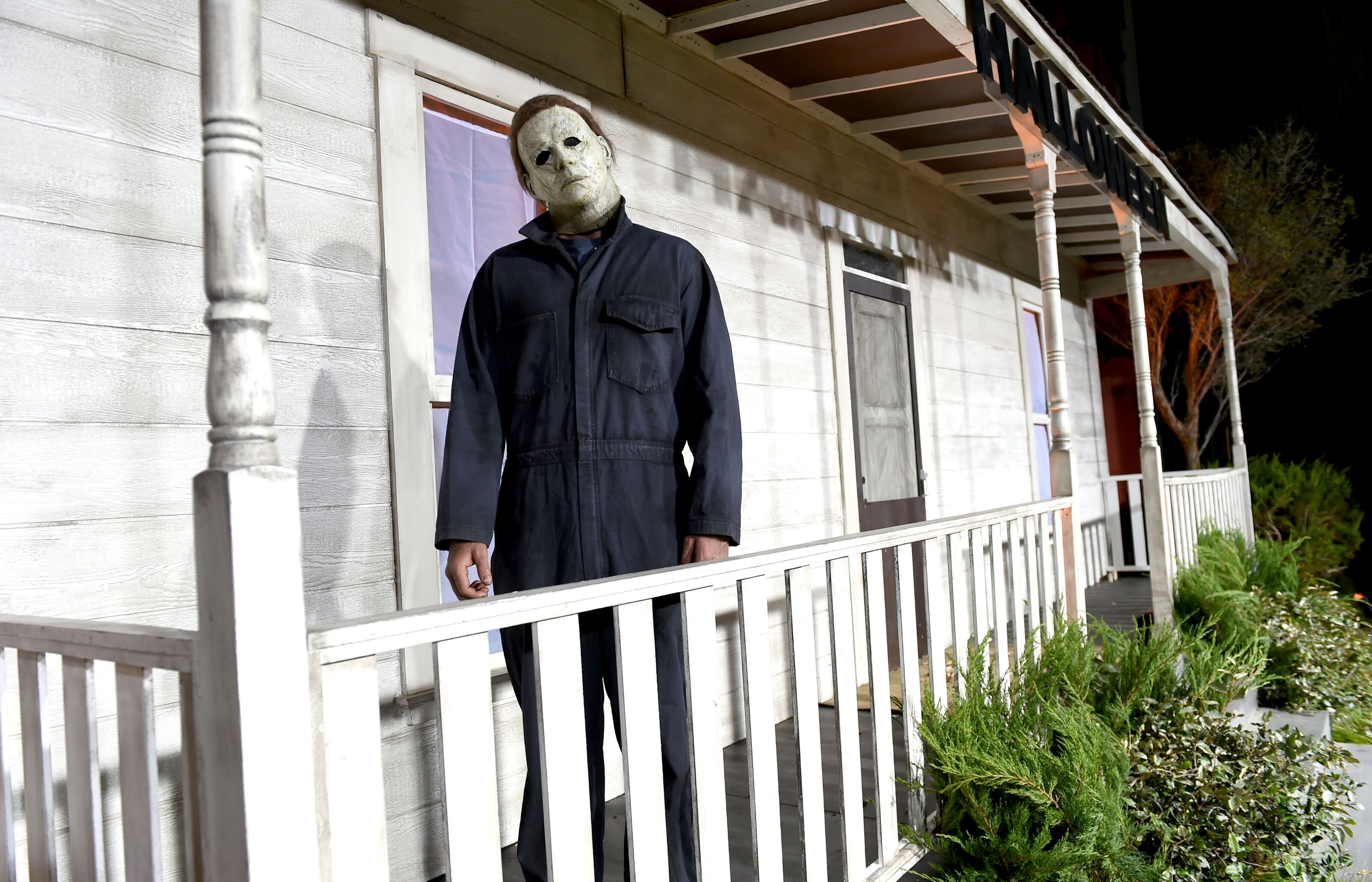 Halloween 4: Is Michael Myers scarier bandaged or wearing the mask?