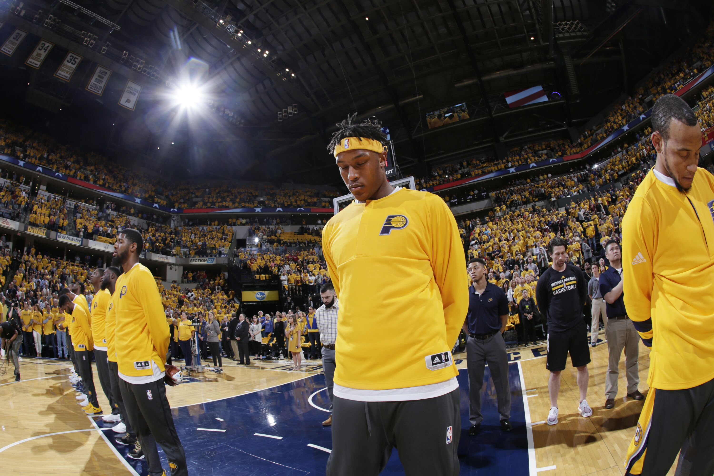 670875256-cleveland-cavaliers-v-indiana-pacers-game-three.jpg