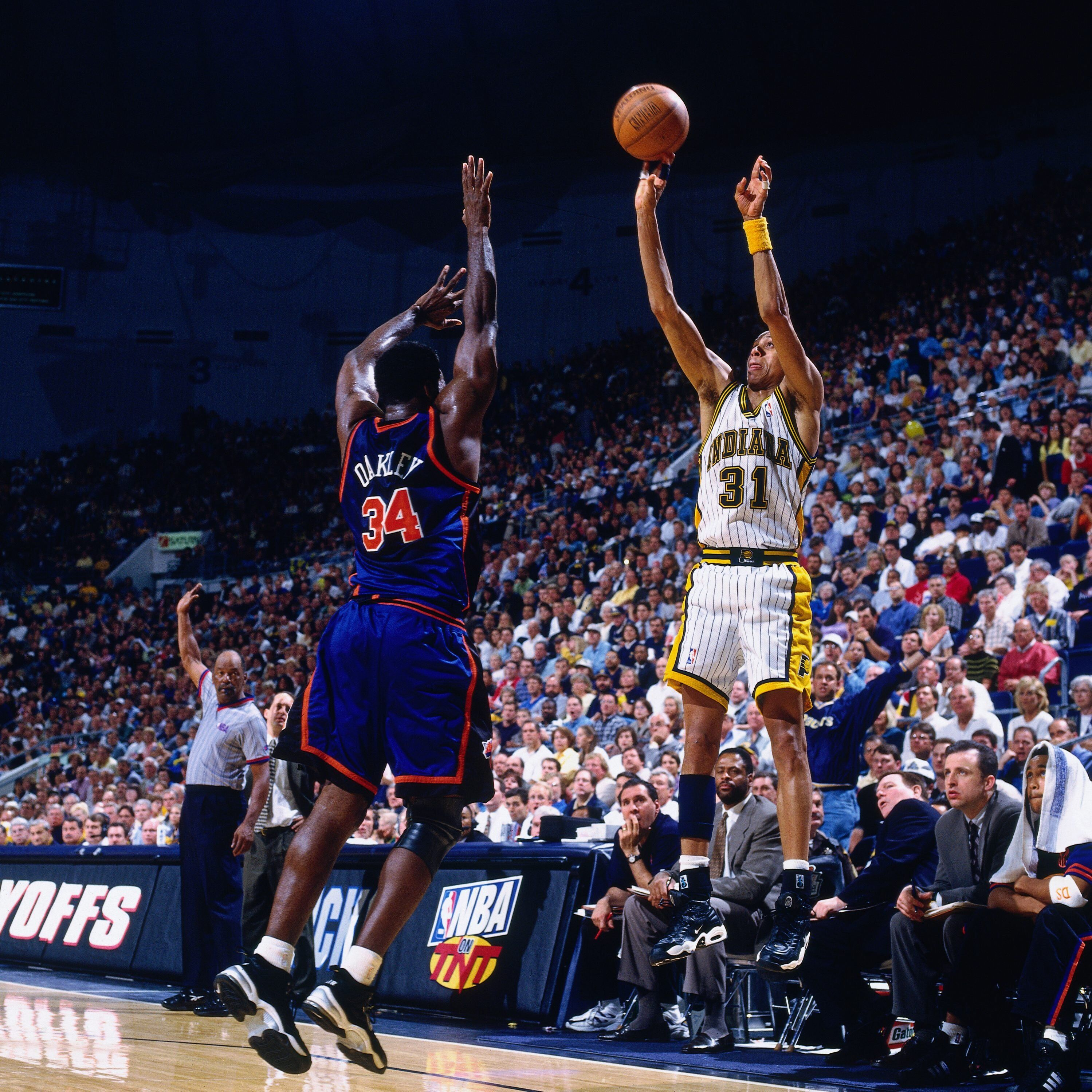 88982373-1998-eastern-conference-semifinals-game-2-new-york-knicks-vs-indiana-pacers.jpg