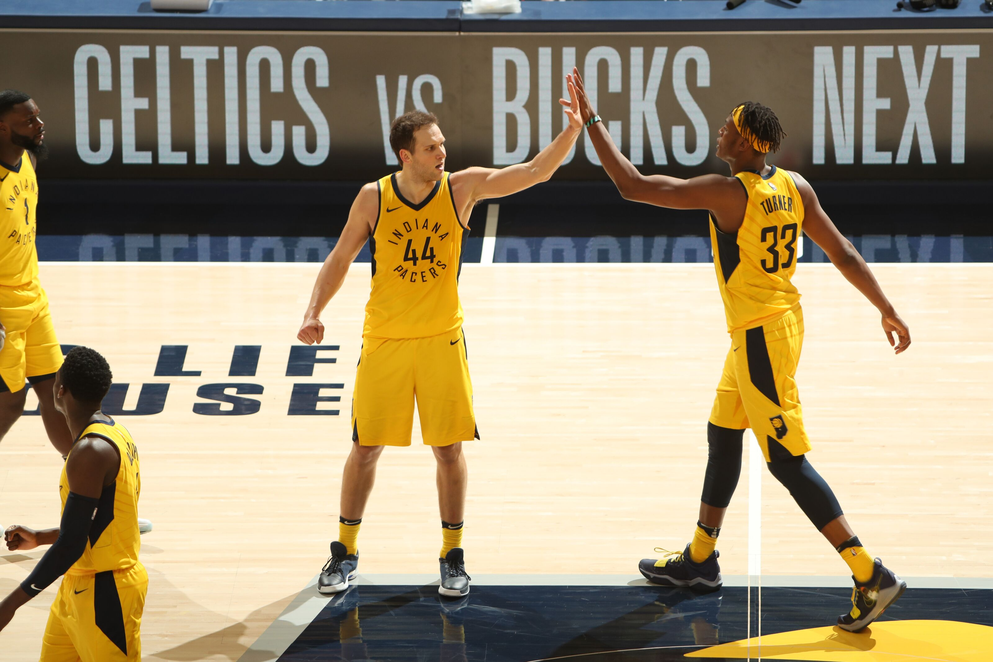 949287356-cleveland-cavaliers-v-indiana-pacers-game-three.jpg
