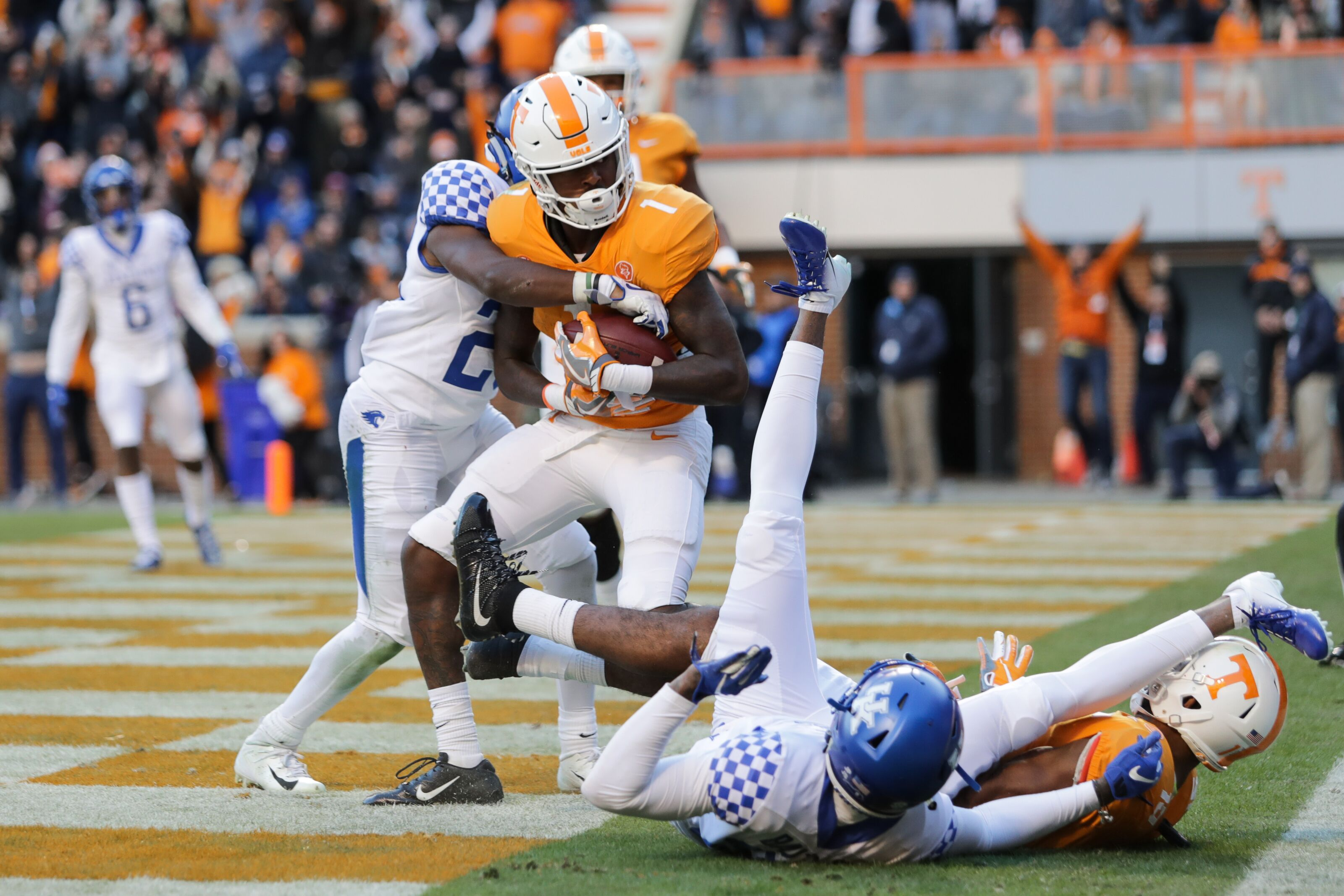 Uk Basketball: Tennessee Football: Vols Upset Kentucky Wildcats SCORE