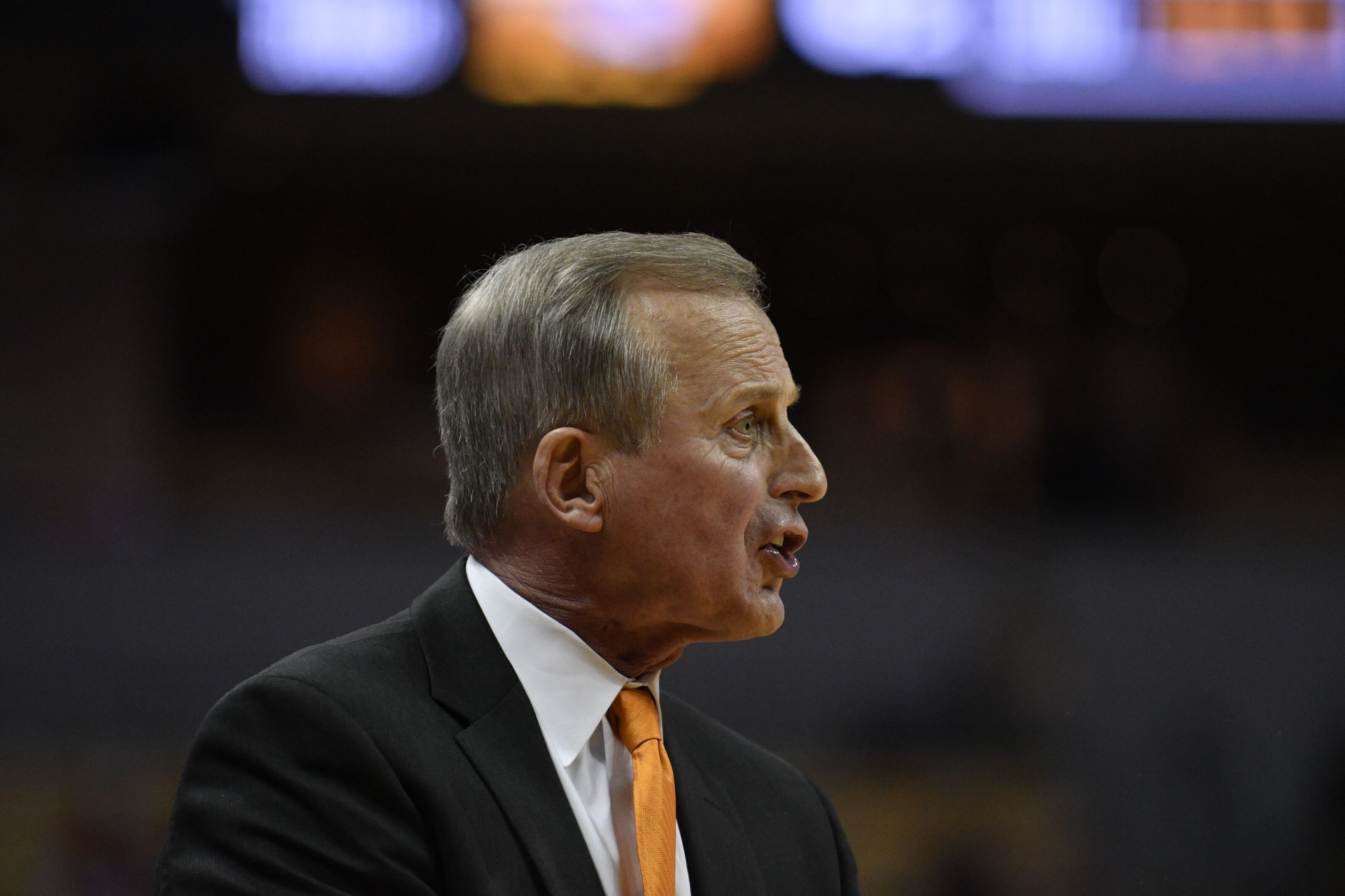 Tennessee basketball: Rick Barnes looks weak if Vols end series with Memphis