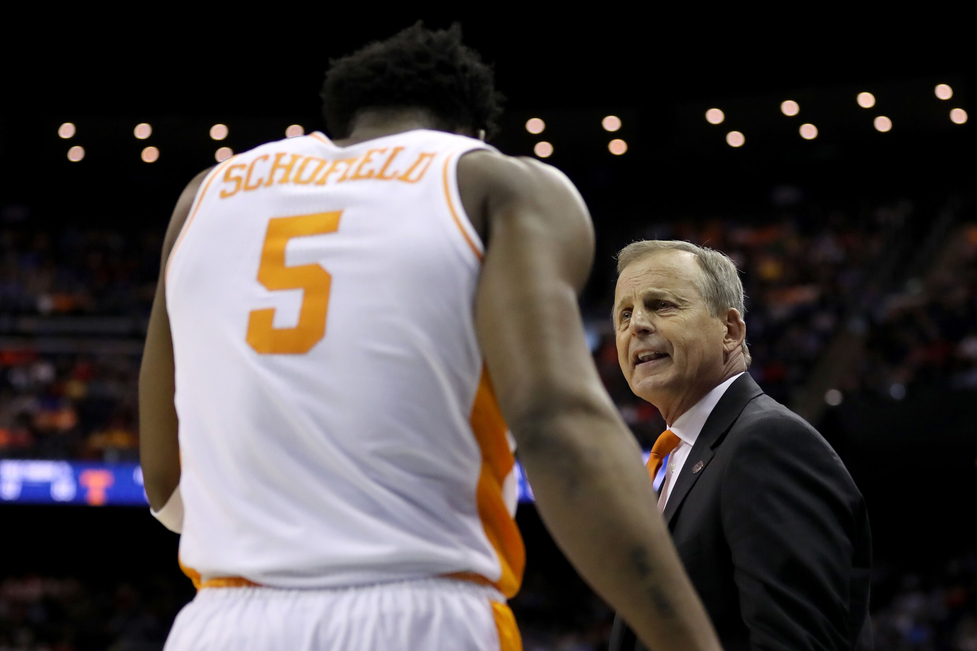 Tennessee basketball: Admiral Schofield's late-game decisions are concerning for Vols