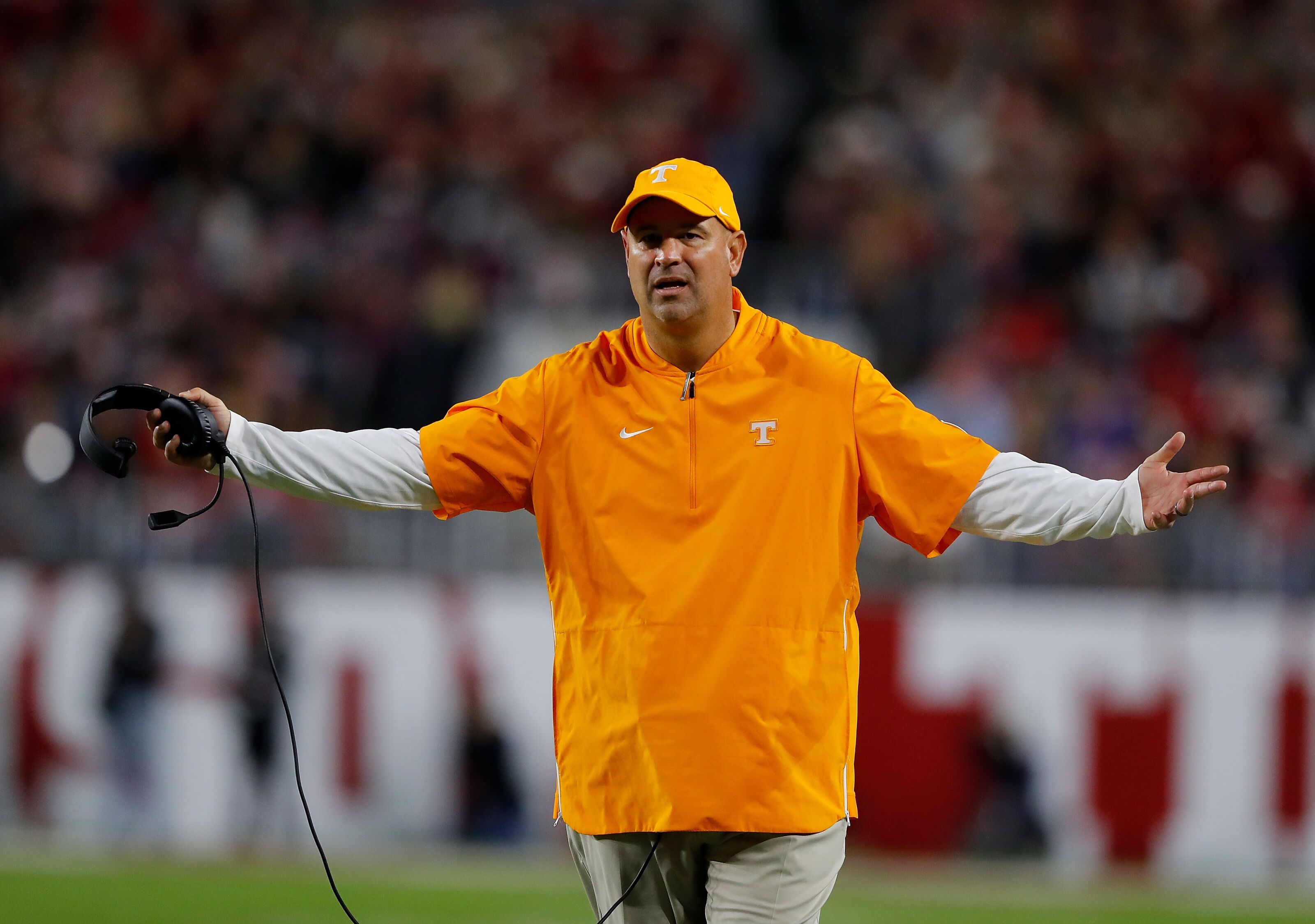 Tennessee football: Referees, no clarity on quarterback lead Vols Monday media session