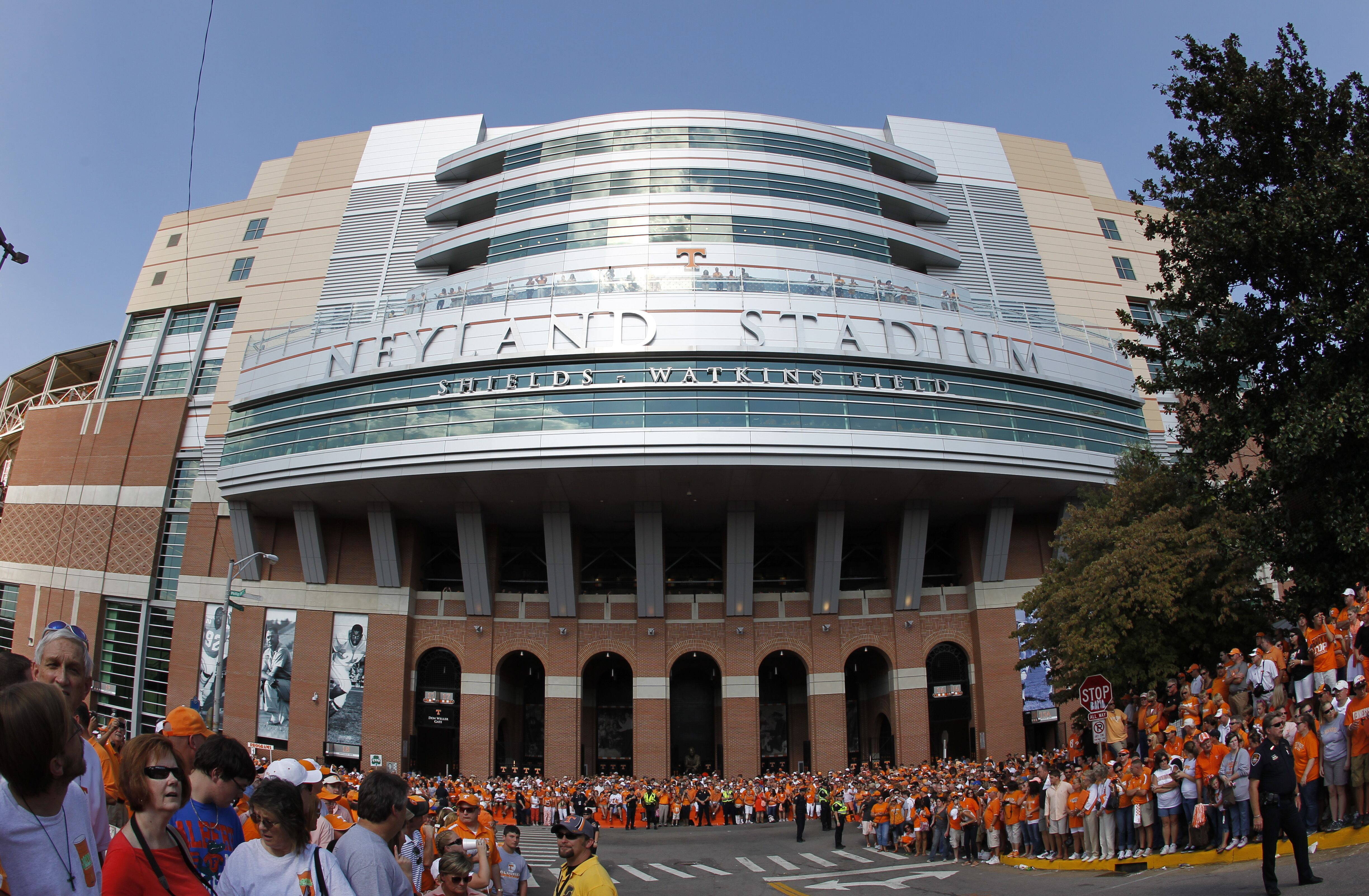 Tennessee football: Analyzing Vols possible path to six wins