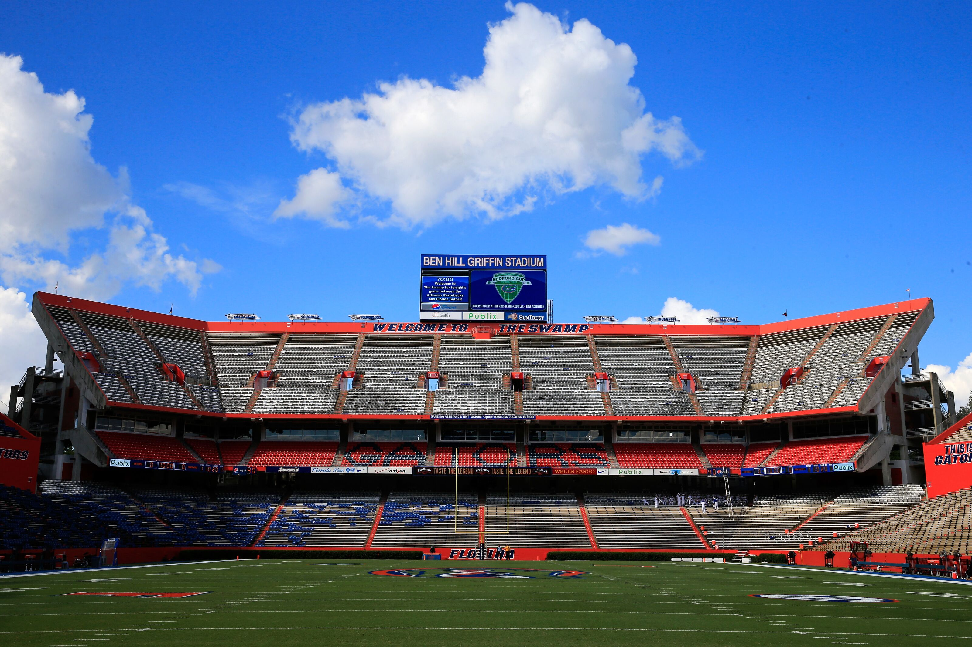 Tennessee football at Florida Gators: Vols live stream, game time, TV info