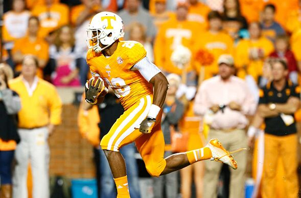 Tennessee football  Best uniform combos for the Vols in recent history 252c398c5