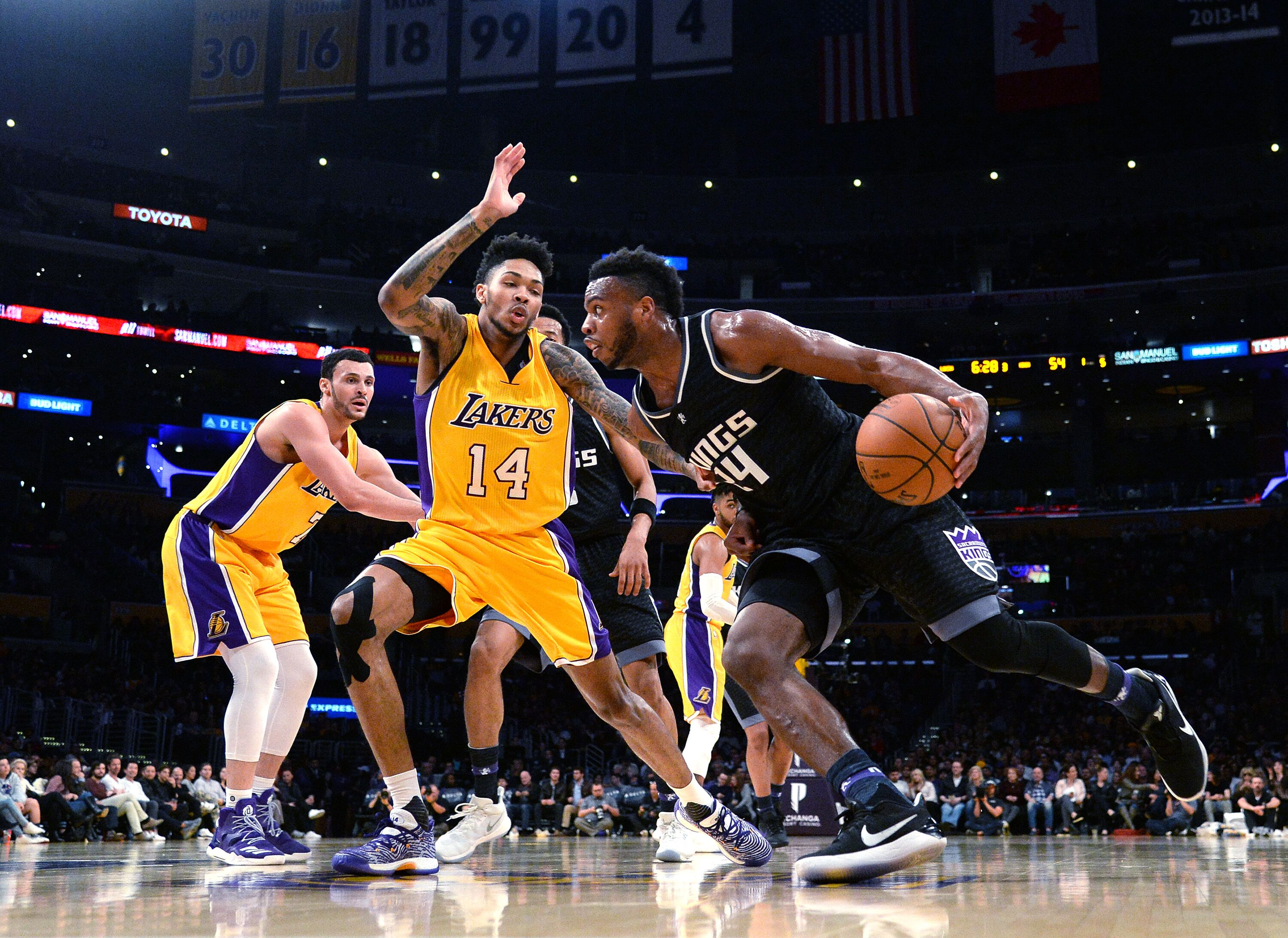 666038588-sacramento-kings-v-los-angeles-lakers.jpg