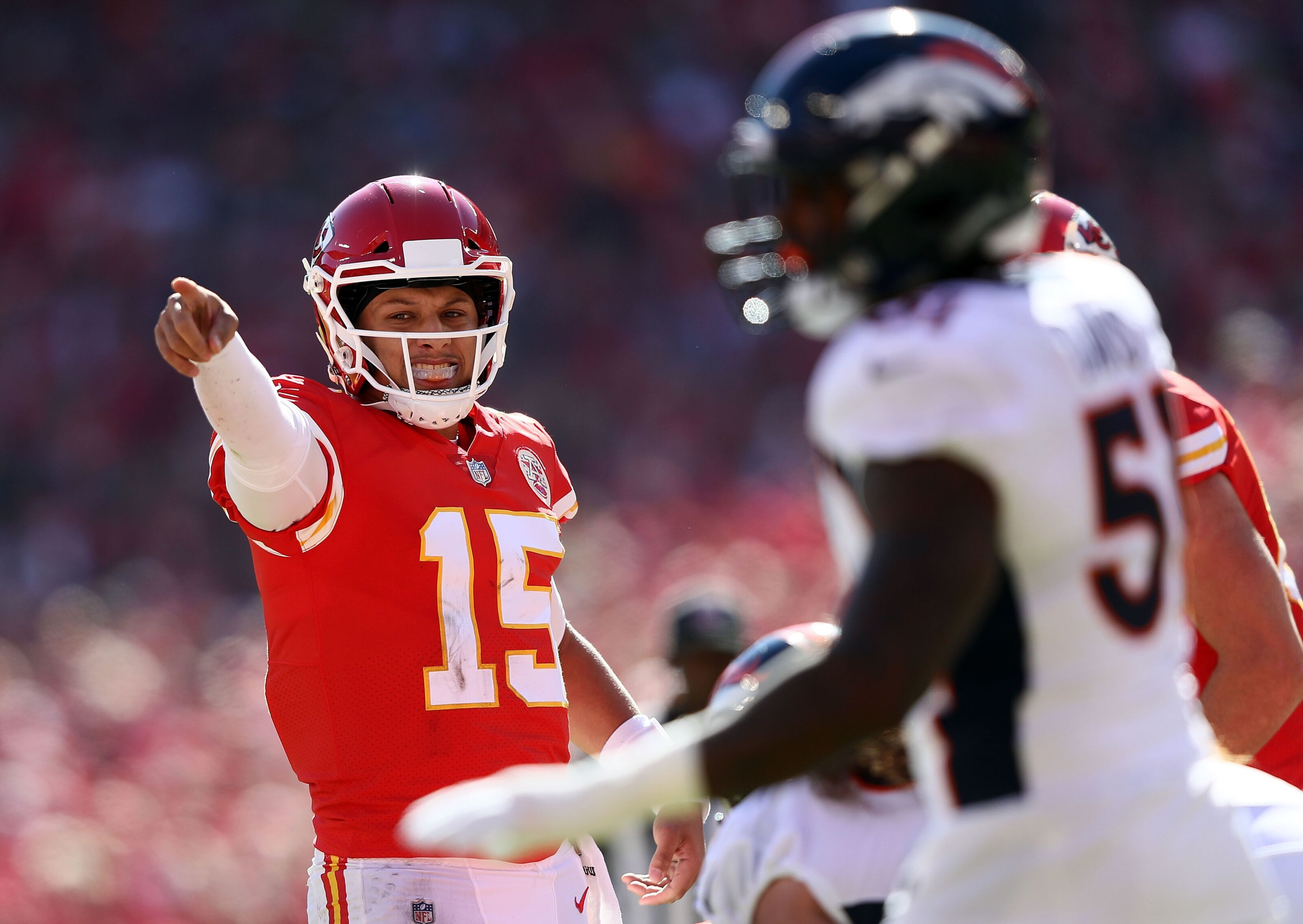 Chiefs vs. Broncos predictions: Recent struggles shake writers' confidence