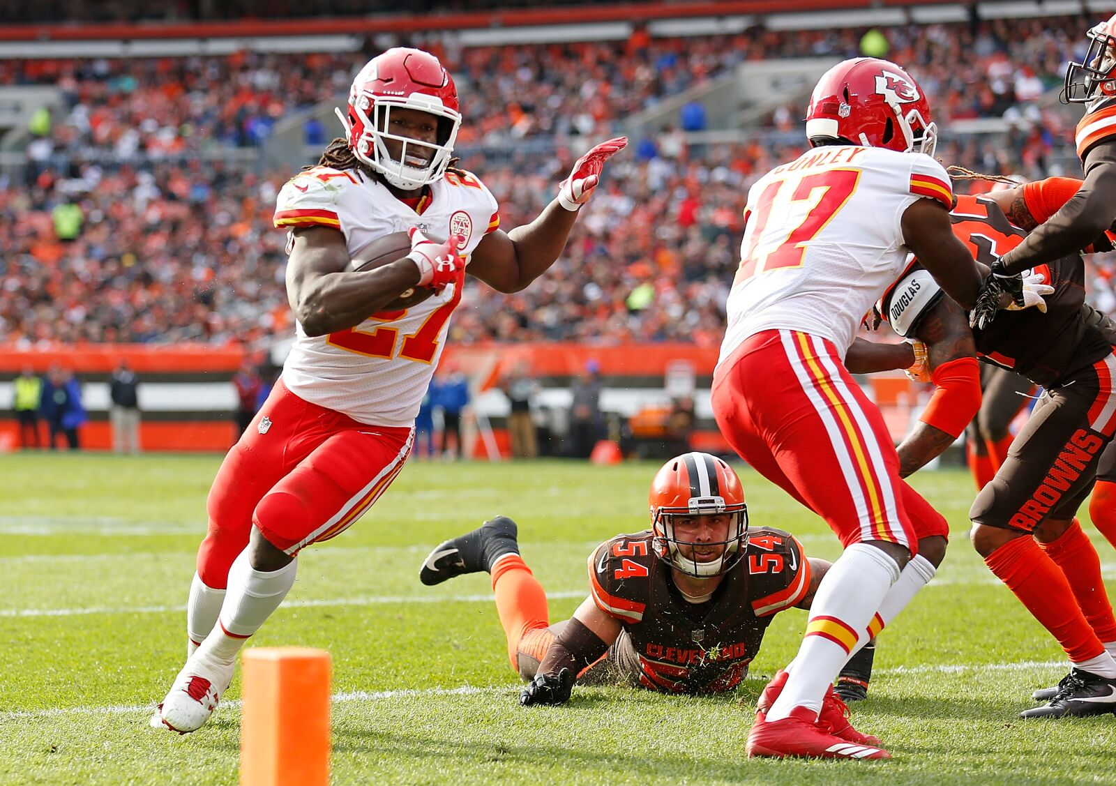 5c2c9c61 Kareem Hunt's elite production should prove difficult to replace for ...