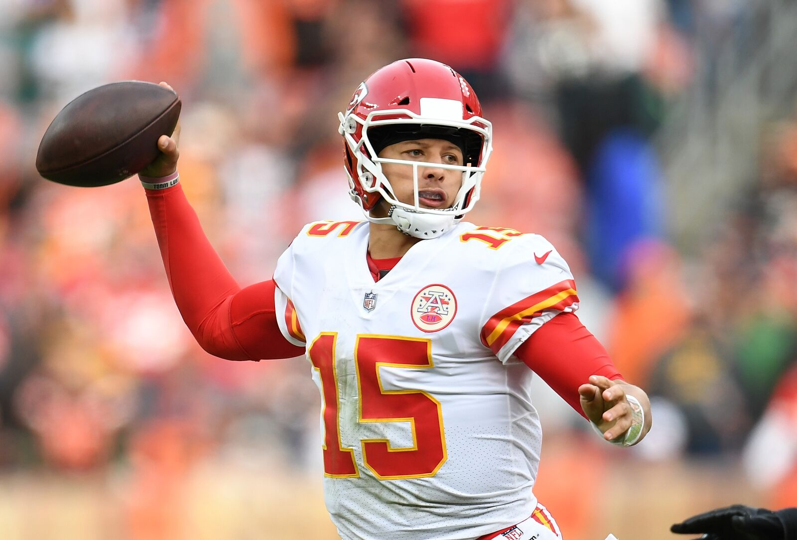 c9768063d Patrick Mahomes makes it look too easy against Browns