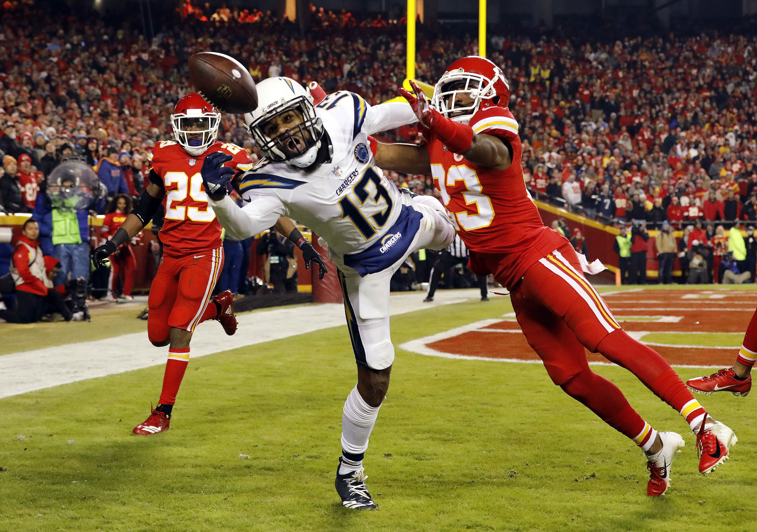 Chiefs cornerback Kendall Fuller has surgery on fractured wrist