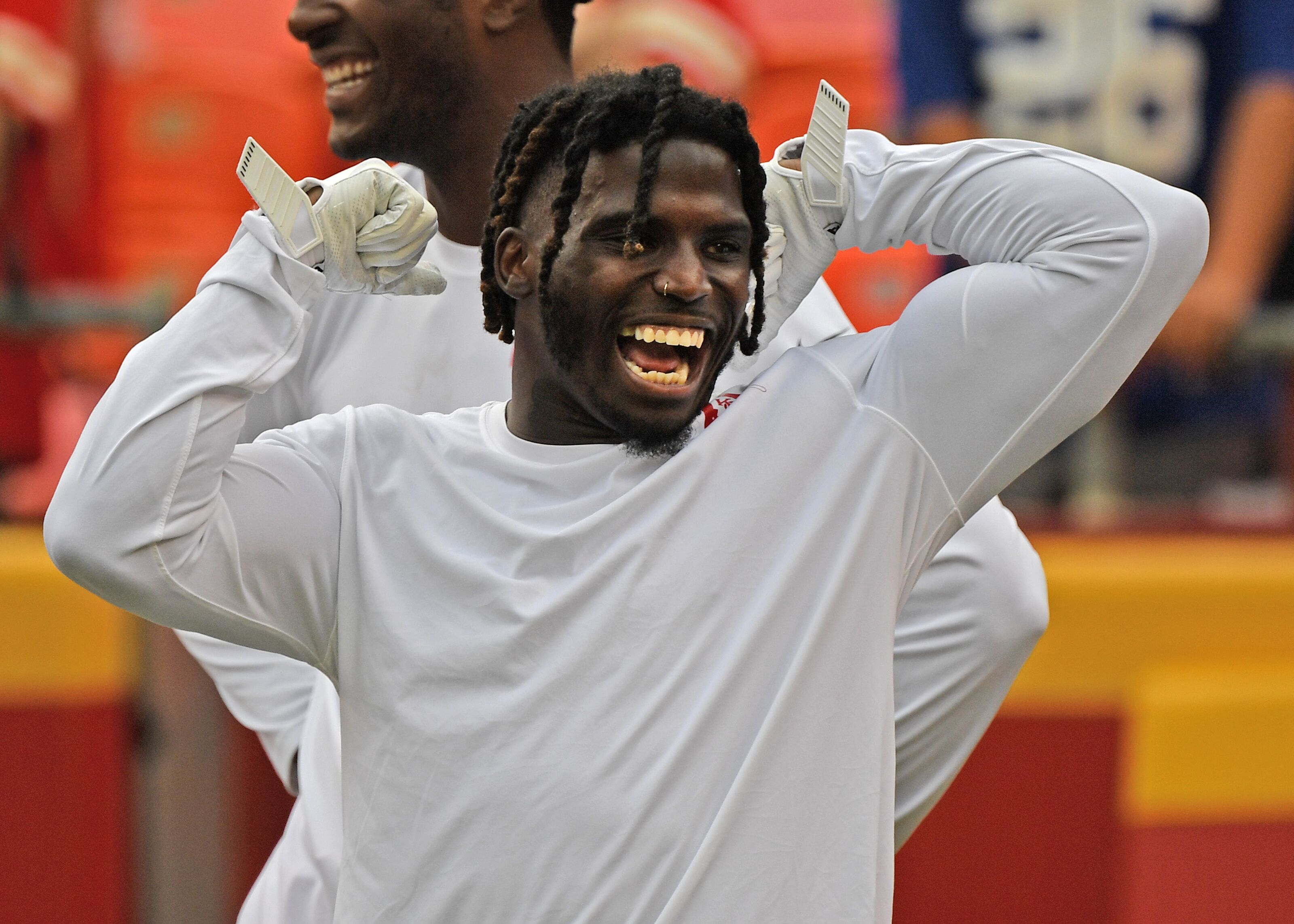 Flipboard: Report: Chiefs WR Tyreek Hill Expected to Miss ...