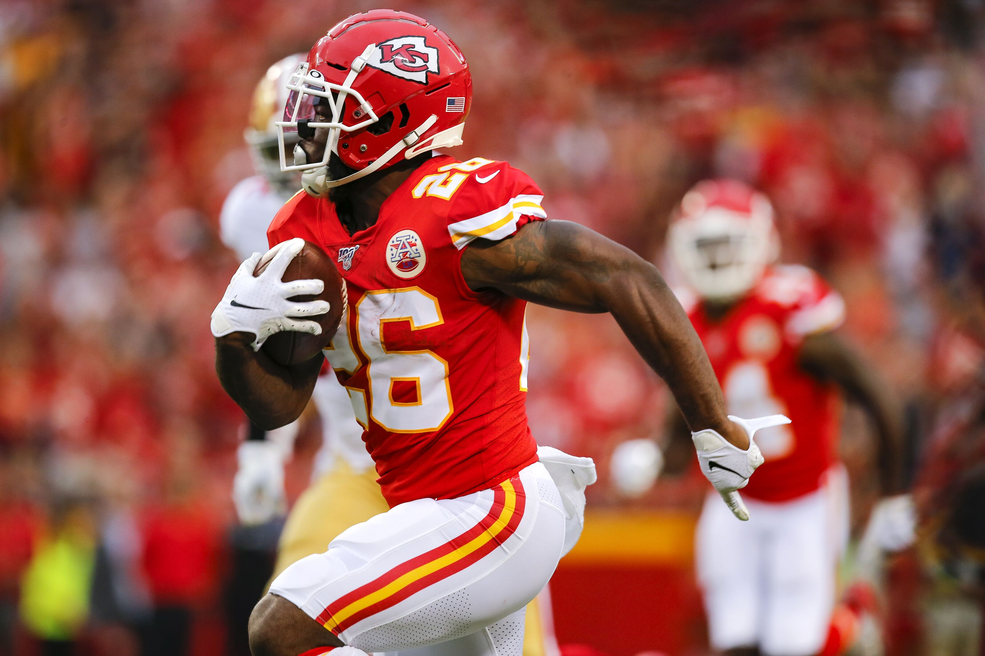 Damien Williams reminds Chiefs Kingdom that he's still here