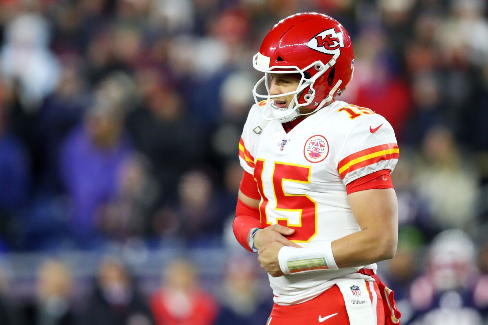 Patrick Mahomes will test hand injury in Chiefs practice