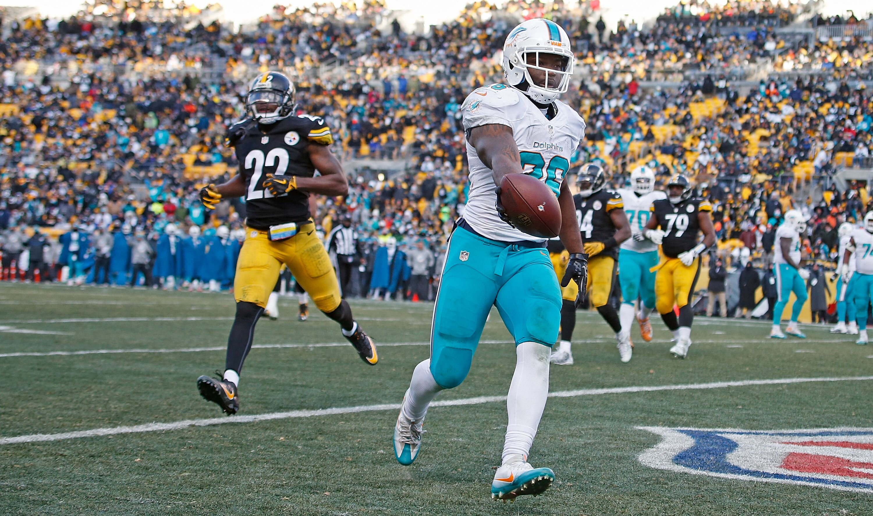631233938-wild-card-round-miami-dolphins-v-pittsburgh-steelers.jpg