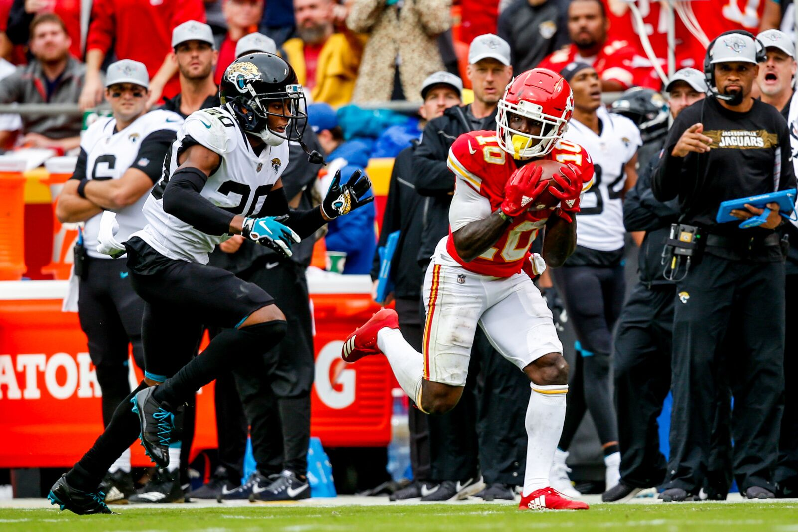 Chiefs v. Jaguars: Can Nick Foles lead Jacksonville to victory?