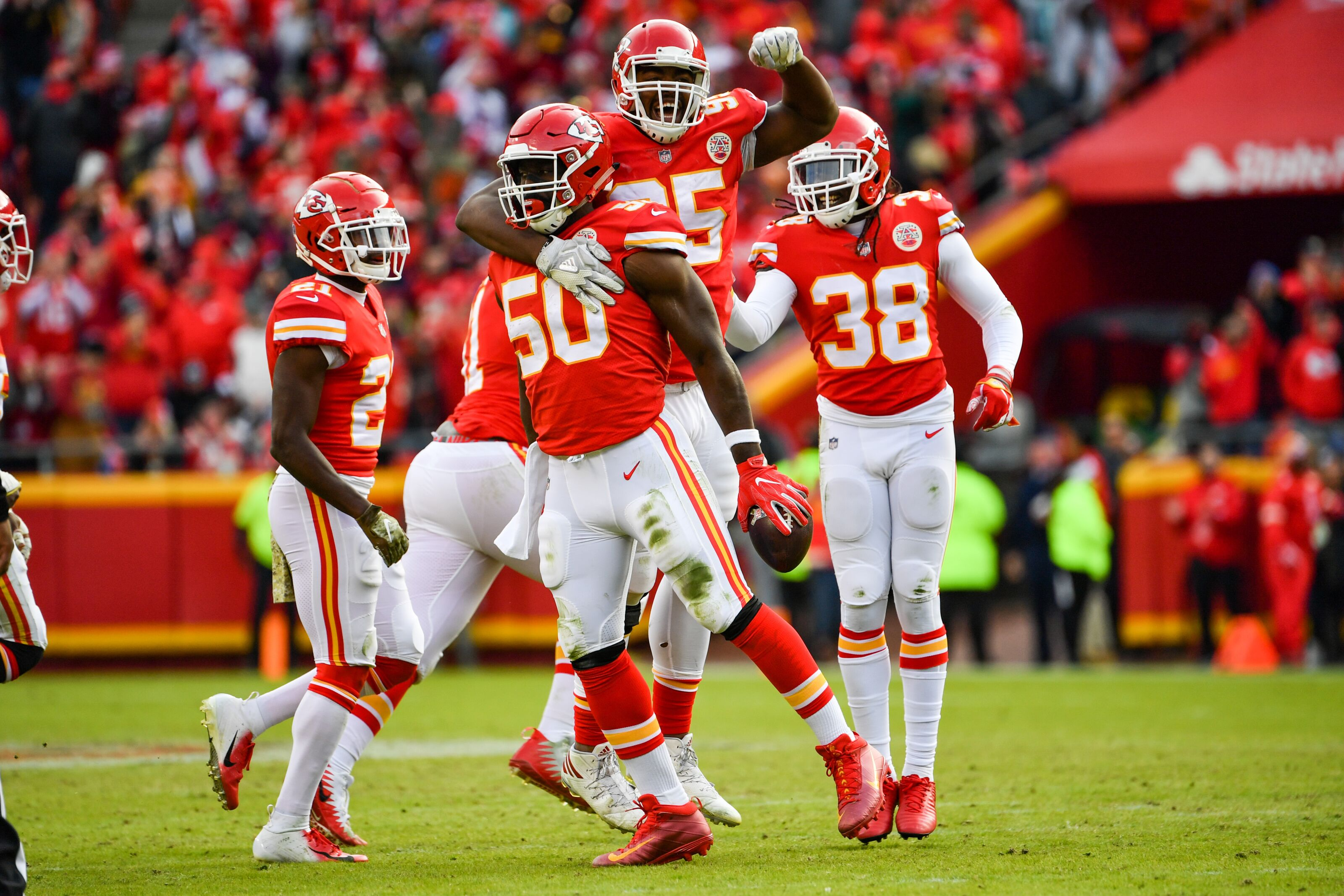 e84dfe96 Kansas City Chiefs defense is a liability, but also a strength