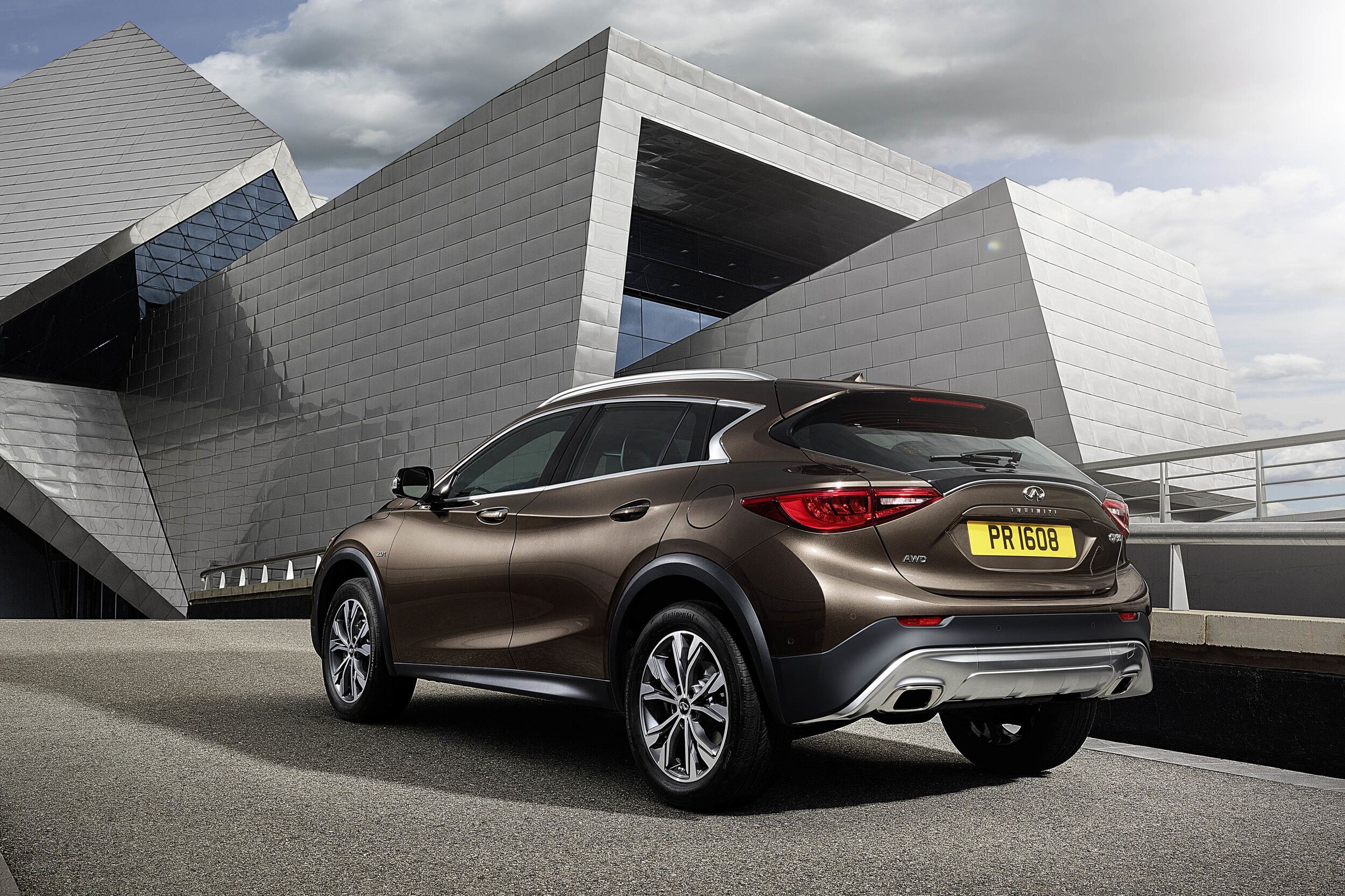 2017 infiniti qx30 premium active crossover officially unveiled. Black Bedroom Furniture Sets. Home Design Ideas