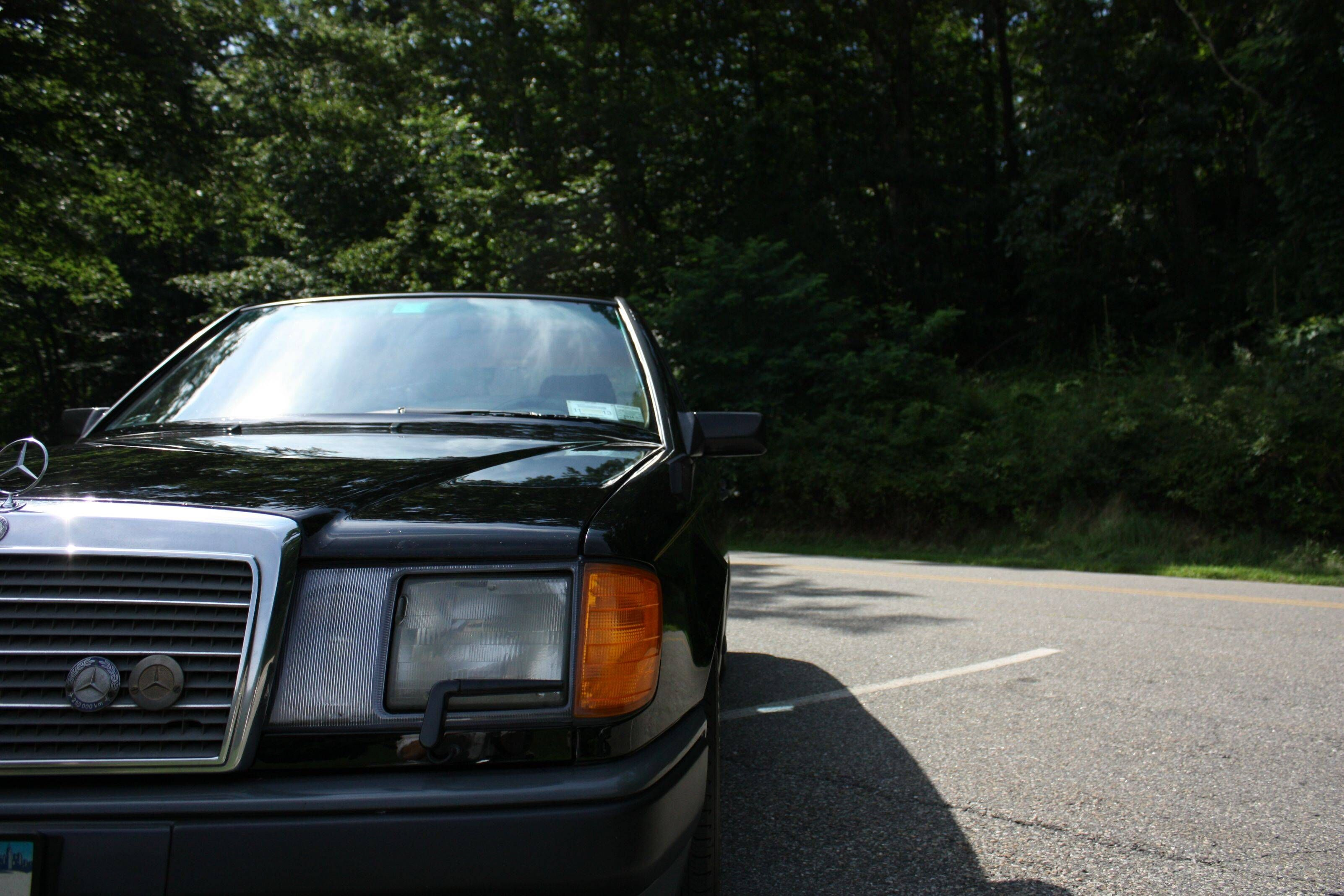 1989 Mercedes-Benz 300E: Owner Has Over 800,000 Miles