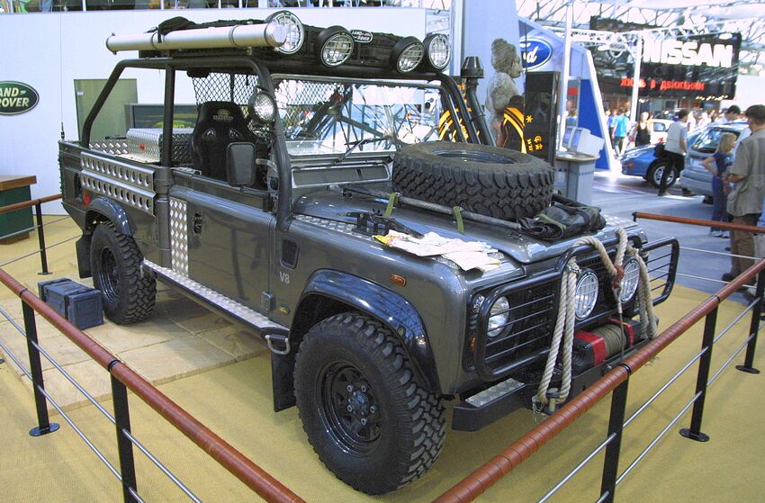 Land Rover Classic: Come get your Defender upgrade kits here
