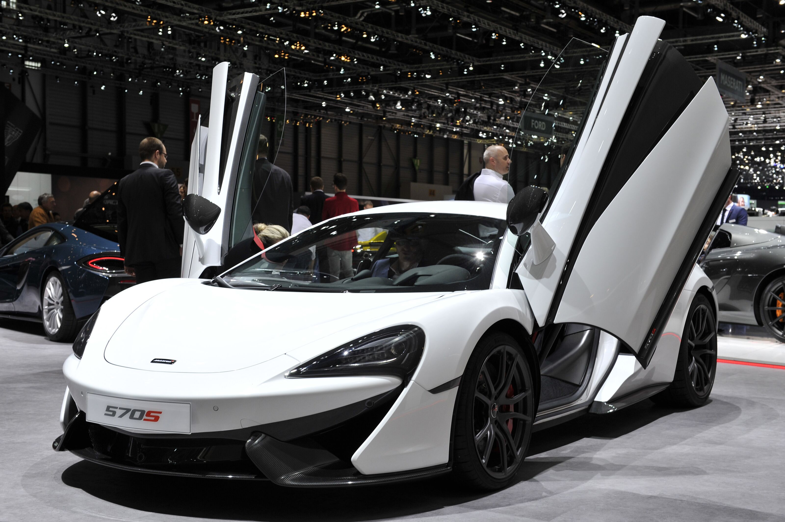 mclaren celebrates production of 15 000 cars in 7 years. Black Bedroom Furniture Sets. Home Design Ideas