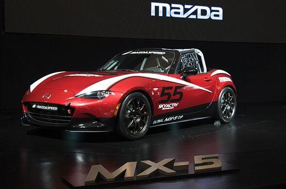 esports car of the week 2016 mazda mx 5 miata art of gears. Black Bedroom Furniture Sets. Home Design Ideas