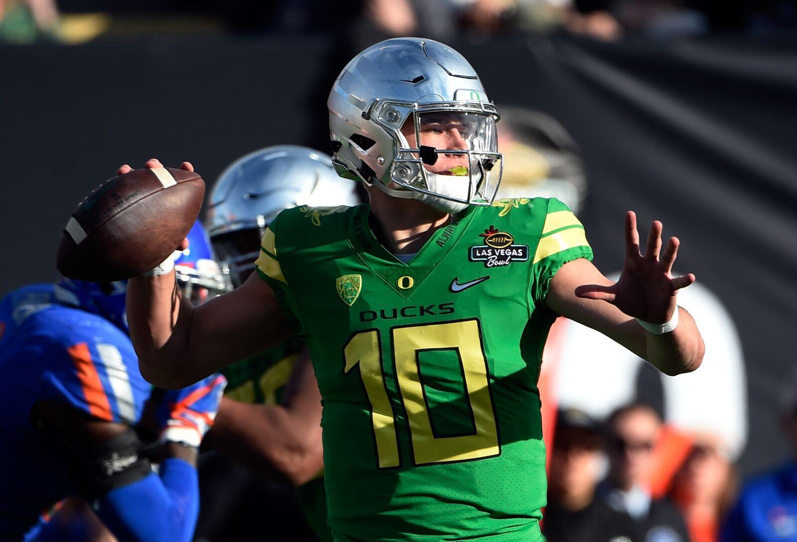 Oregon Football: Justin Herbert Returns To Practice Wednesday