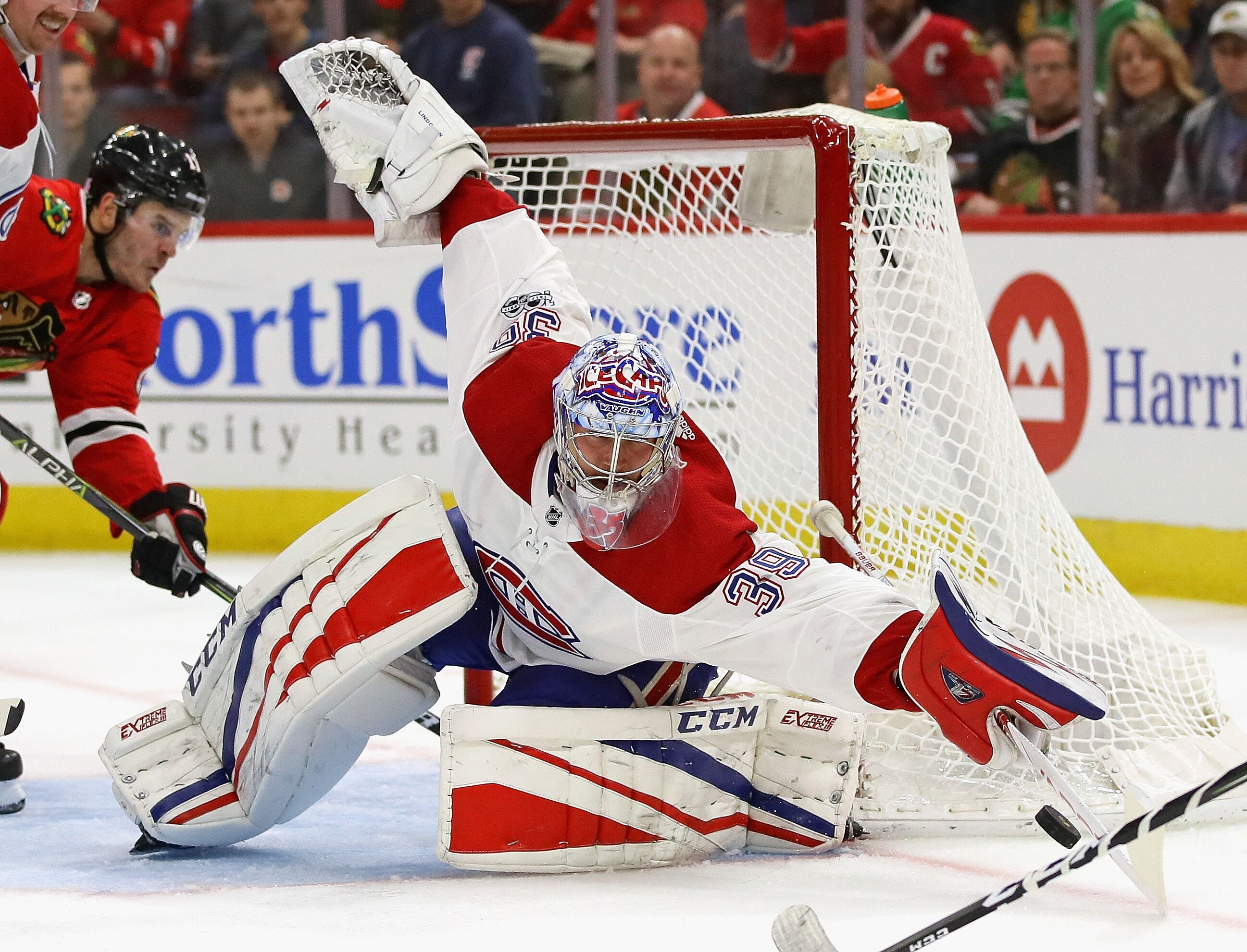 Montreal Canadiens: What to Do With Charlie Lindgren