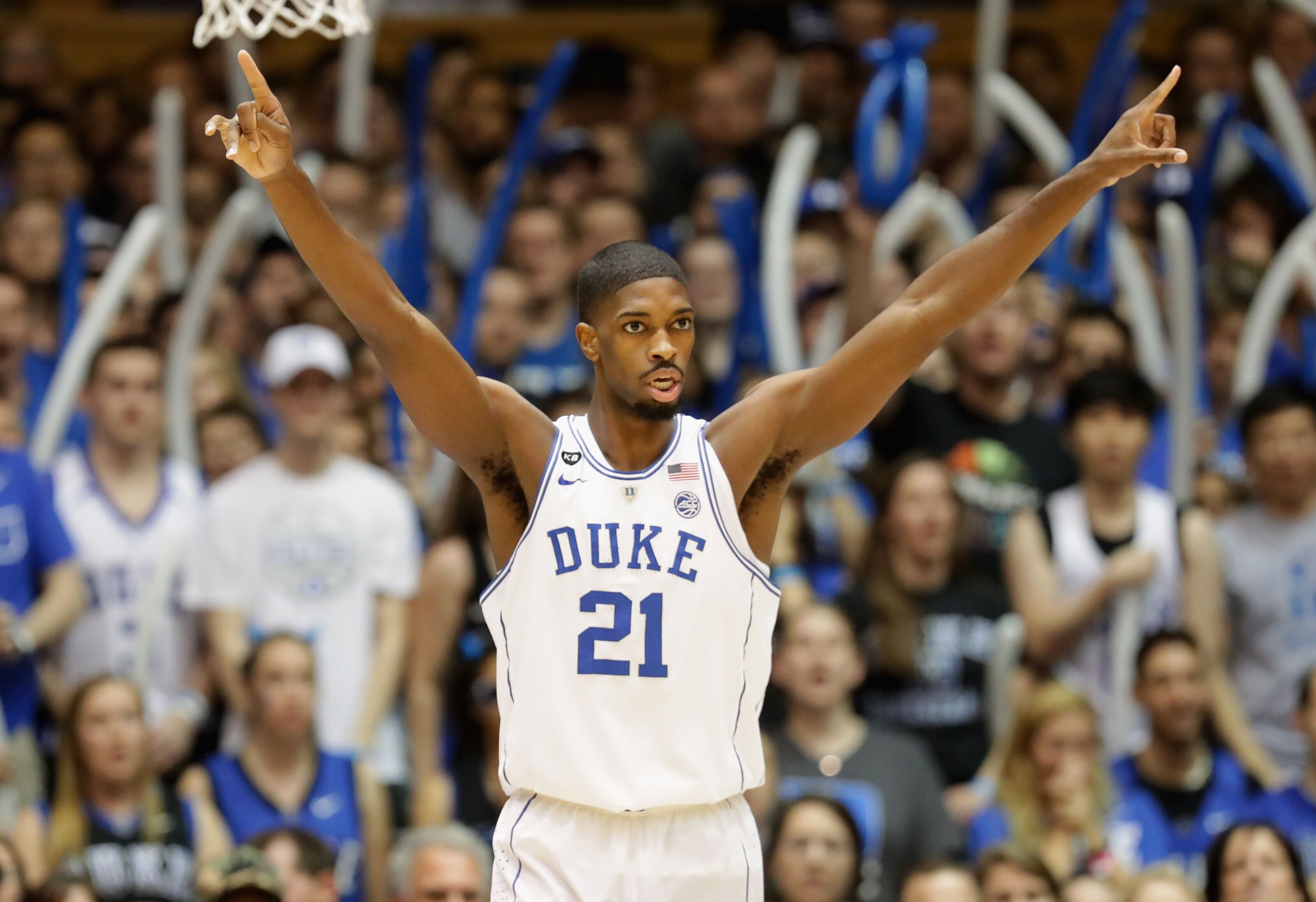 Amile Jefferson re-signs with Orlando Magic on one-year deal