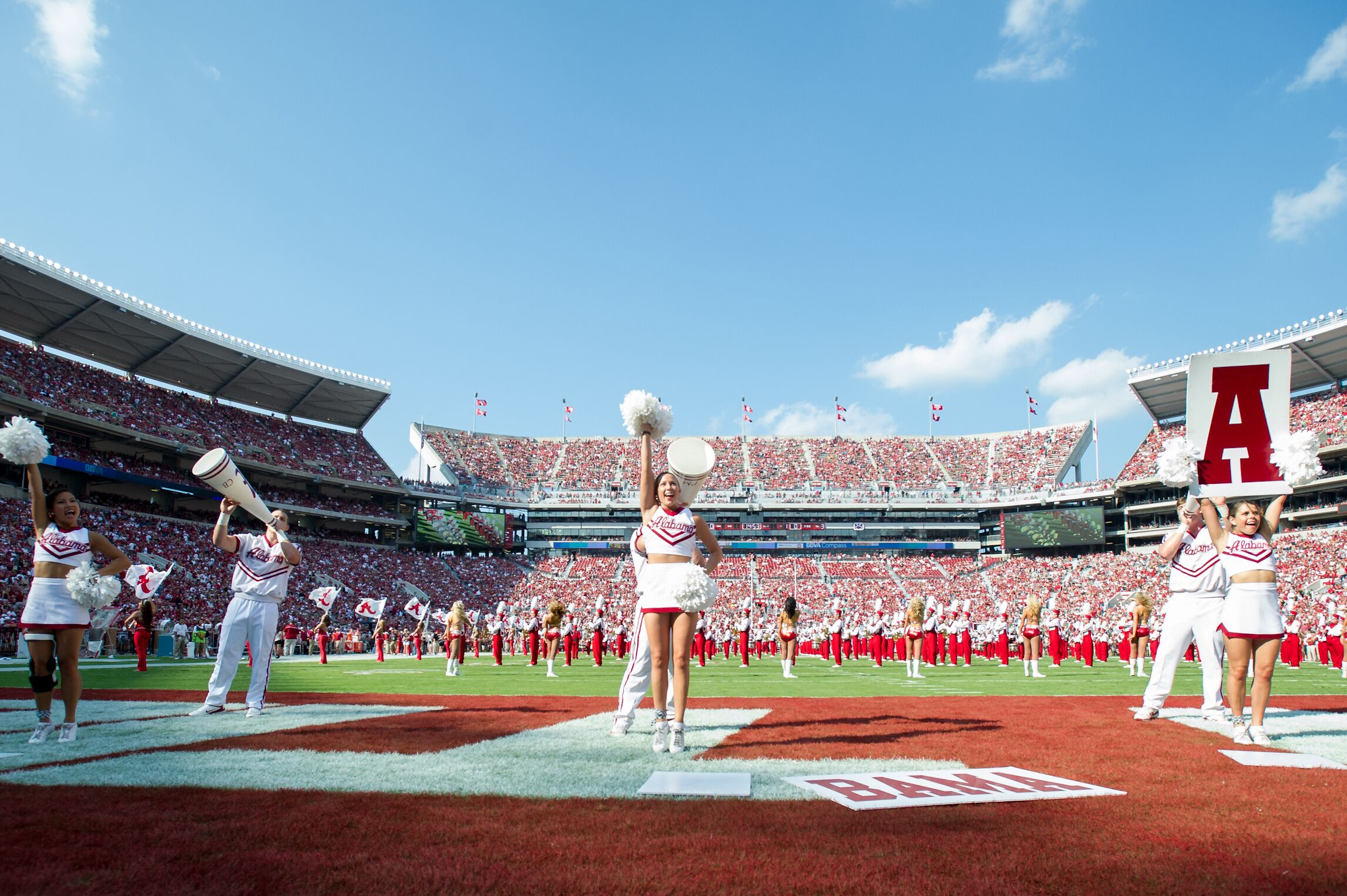 152712411-florida-atlantic-v-alabama.jpg