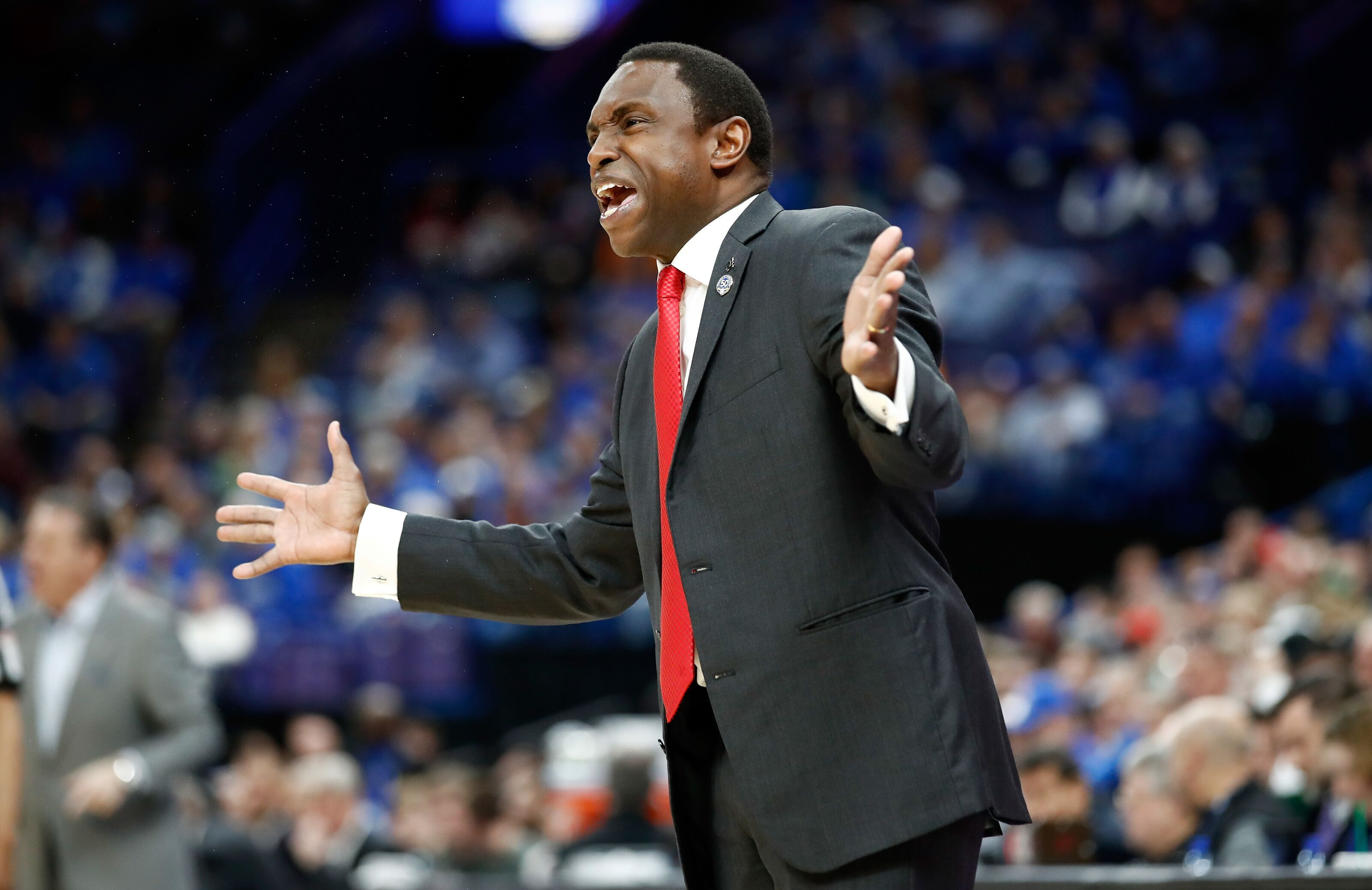 Alabama Basketball: Gators chomp tusk-less Tide in T-Town