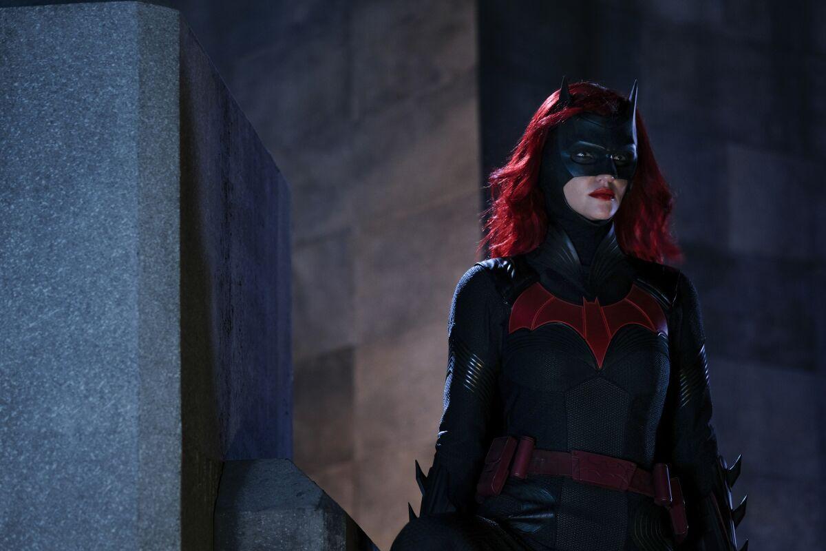 Watch Batwoman season 1, episode 3 trailer