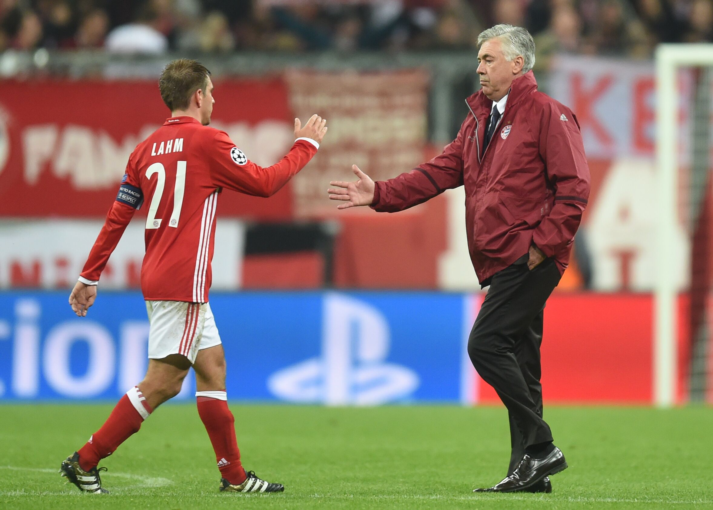 Bayern Munich Manager Persuading Philipp Lahm To Continue ...