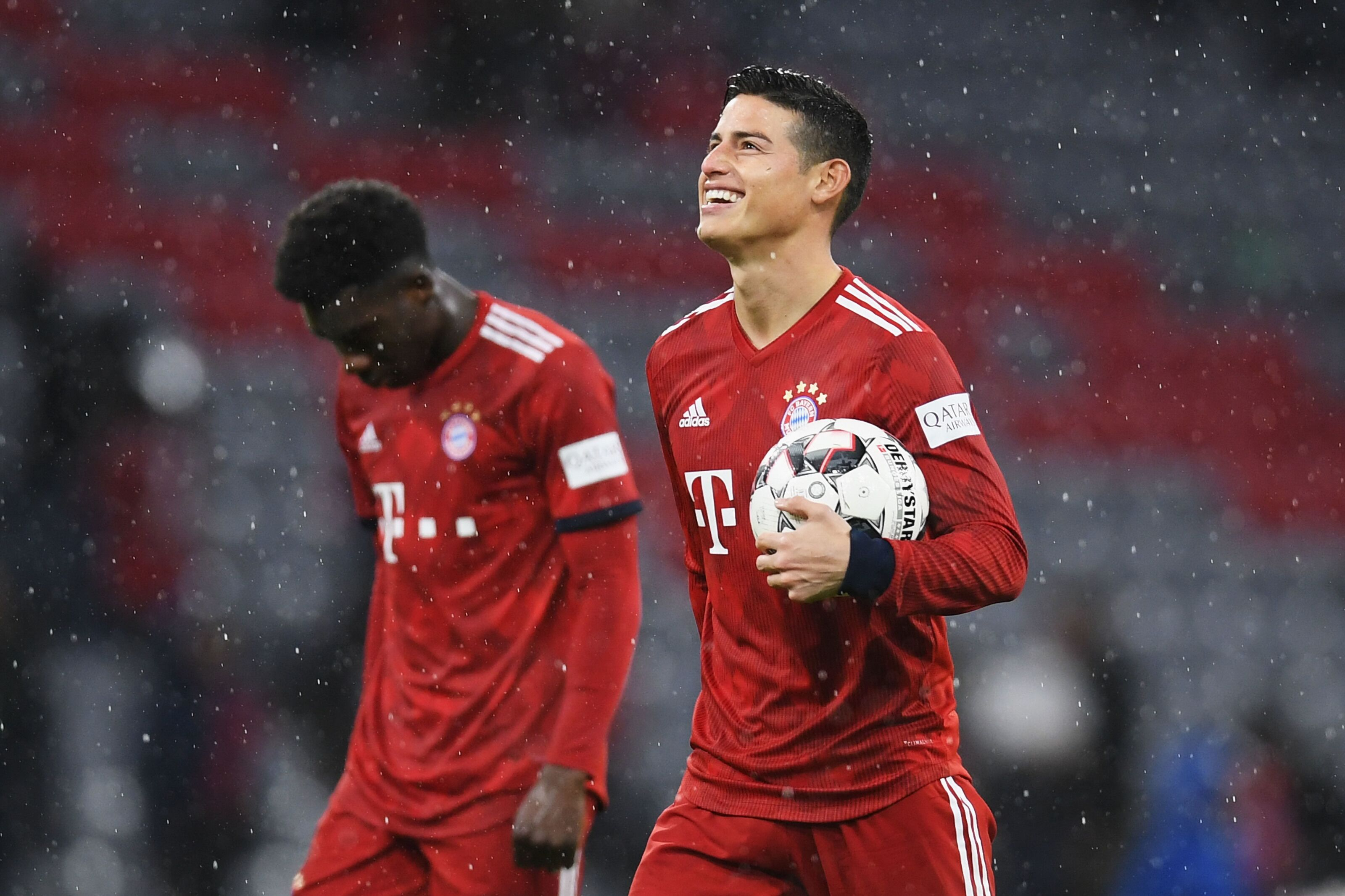 Bayern Munich bounce back from loss, dominate Mainz