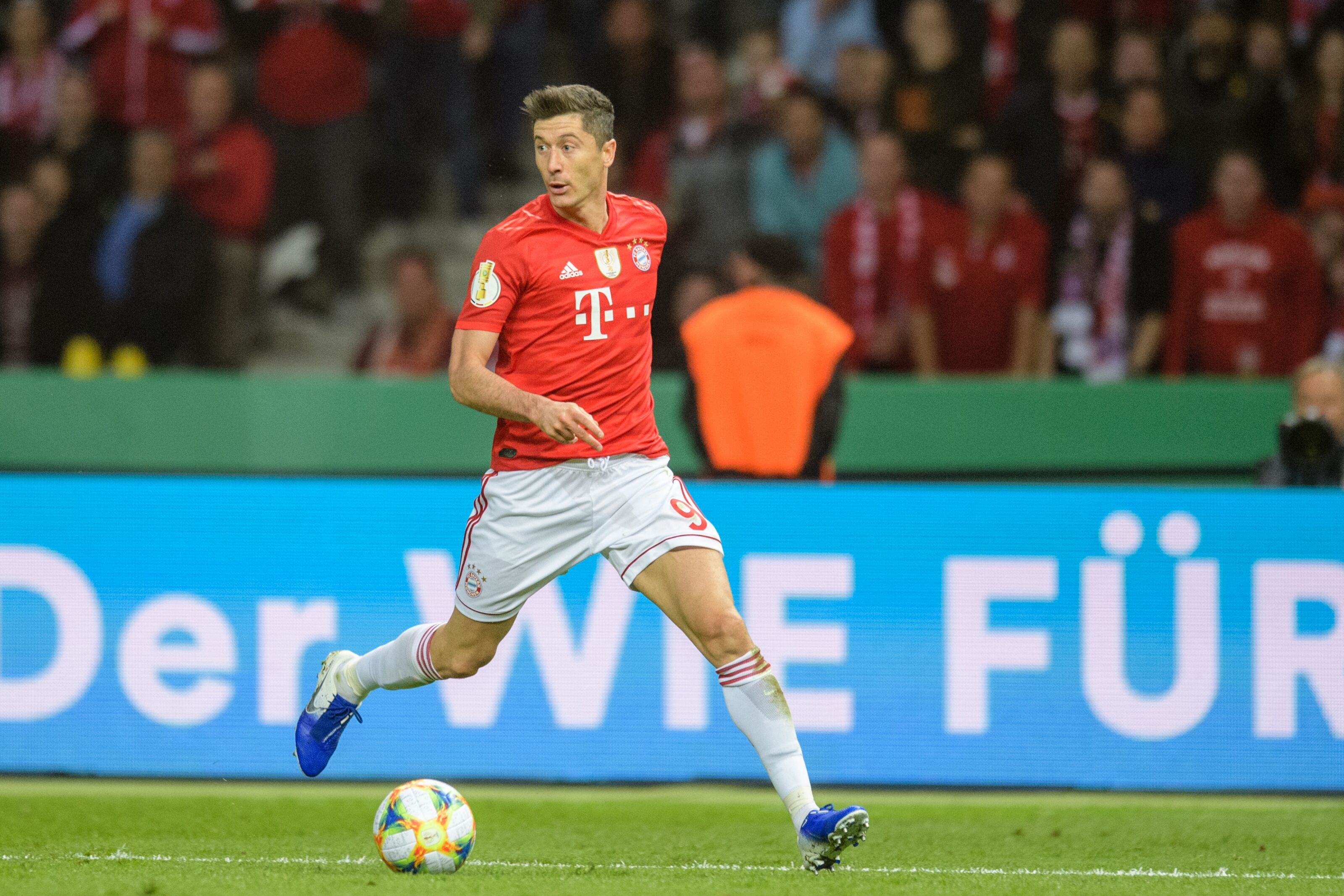 Robert Lewandowski urges Bayern Munich to sign a backup striker