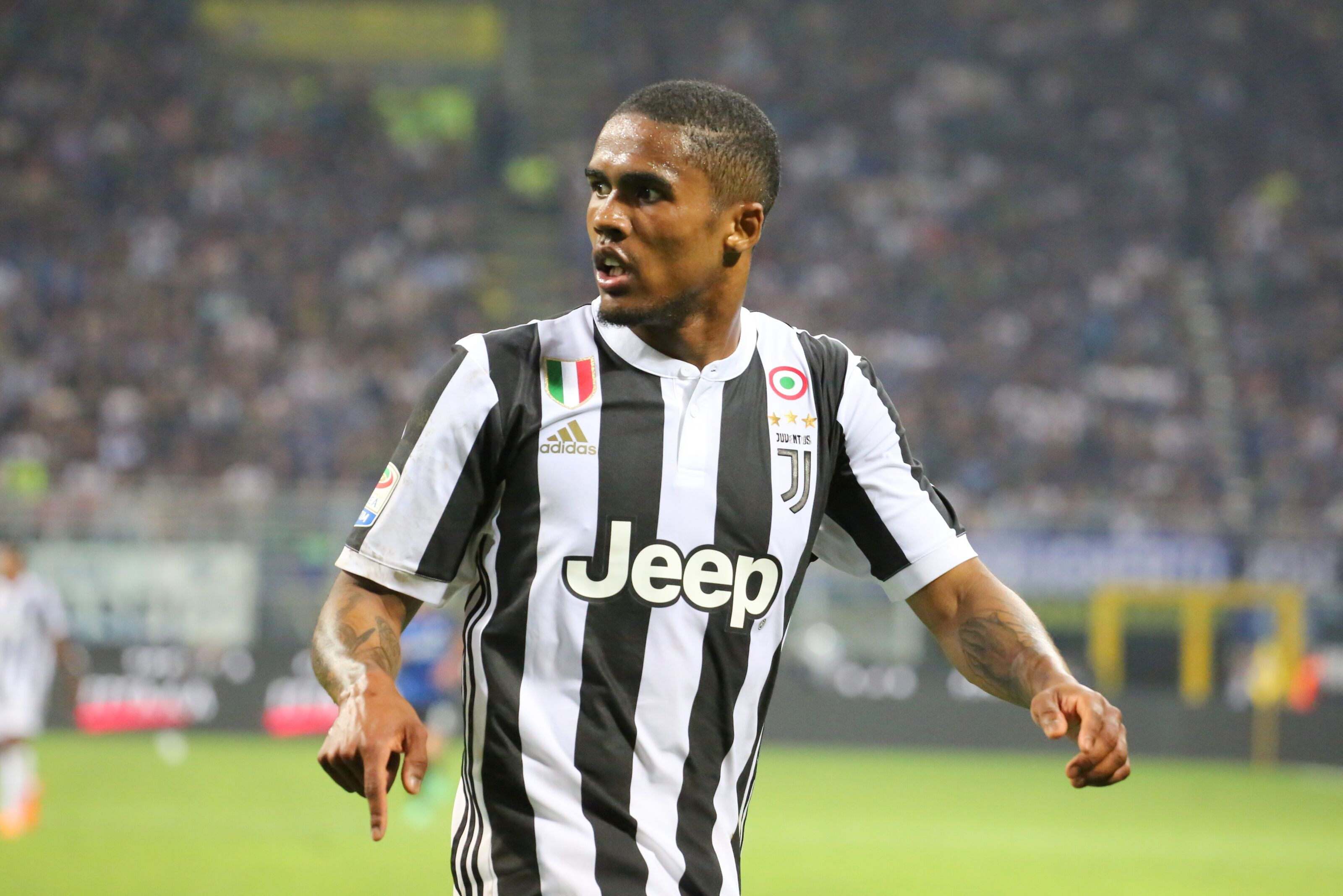 Massive transfer boost for Chelsea as Juventus finally agree to sell Douglas Costa
