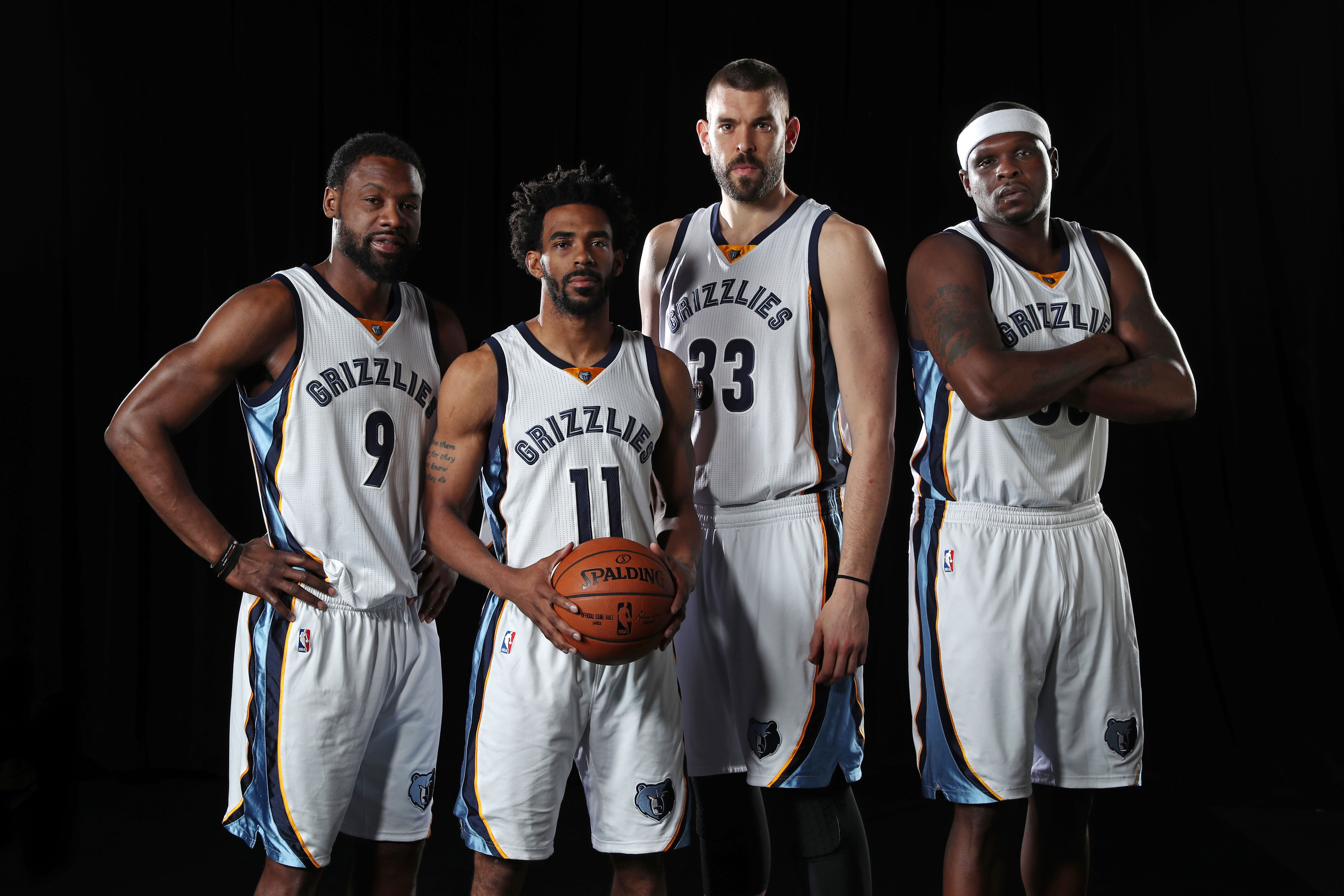 9816d5a0472 Memphis Grizzlies  15 players who defined Grit and Grind - Page 15