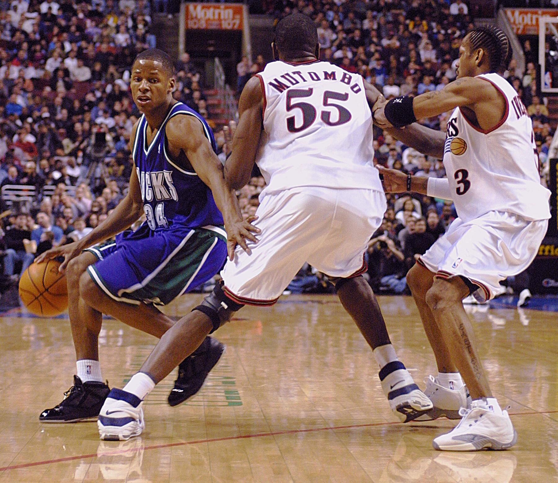 51589928-the-milwaukee-bucks-guard-ray-allen-l-works-his