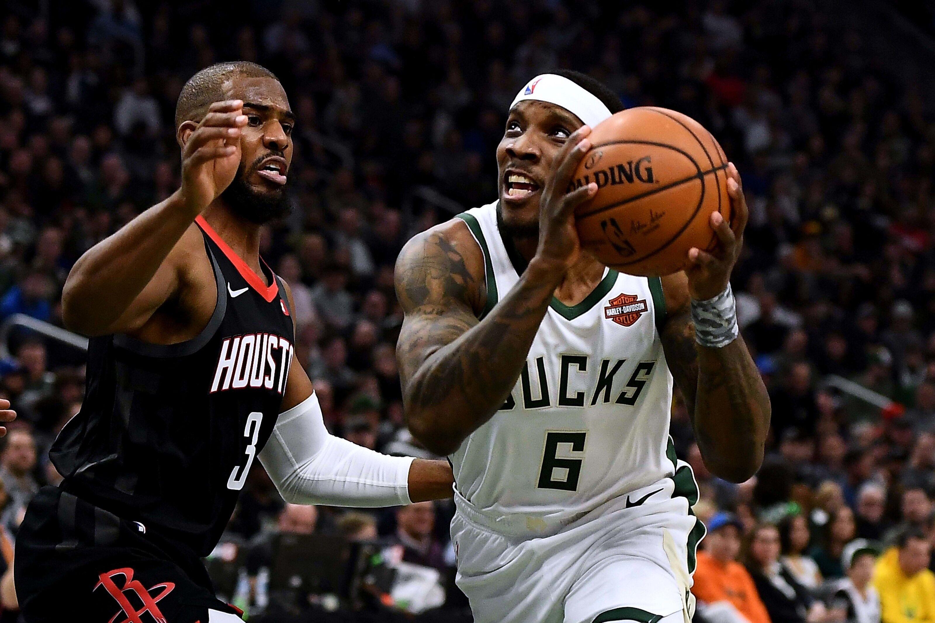 Milwaukee Bucks should avoid making blockbuster trades