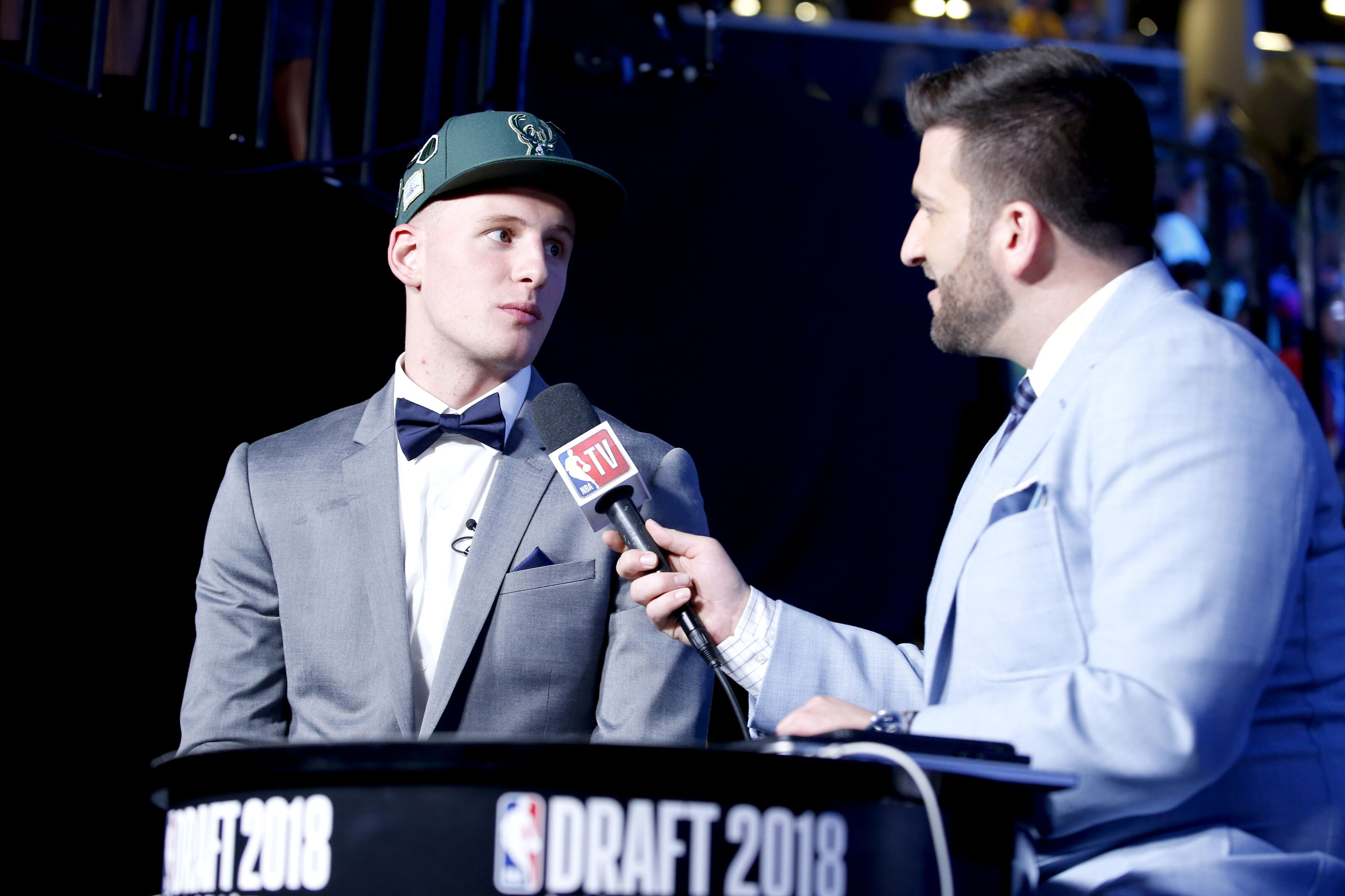 15d8e5141ab Milwaukee Bucks  Rounding up expert reaction to Donte DiVincenzo pick