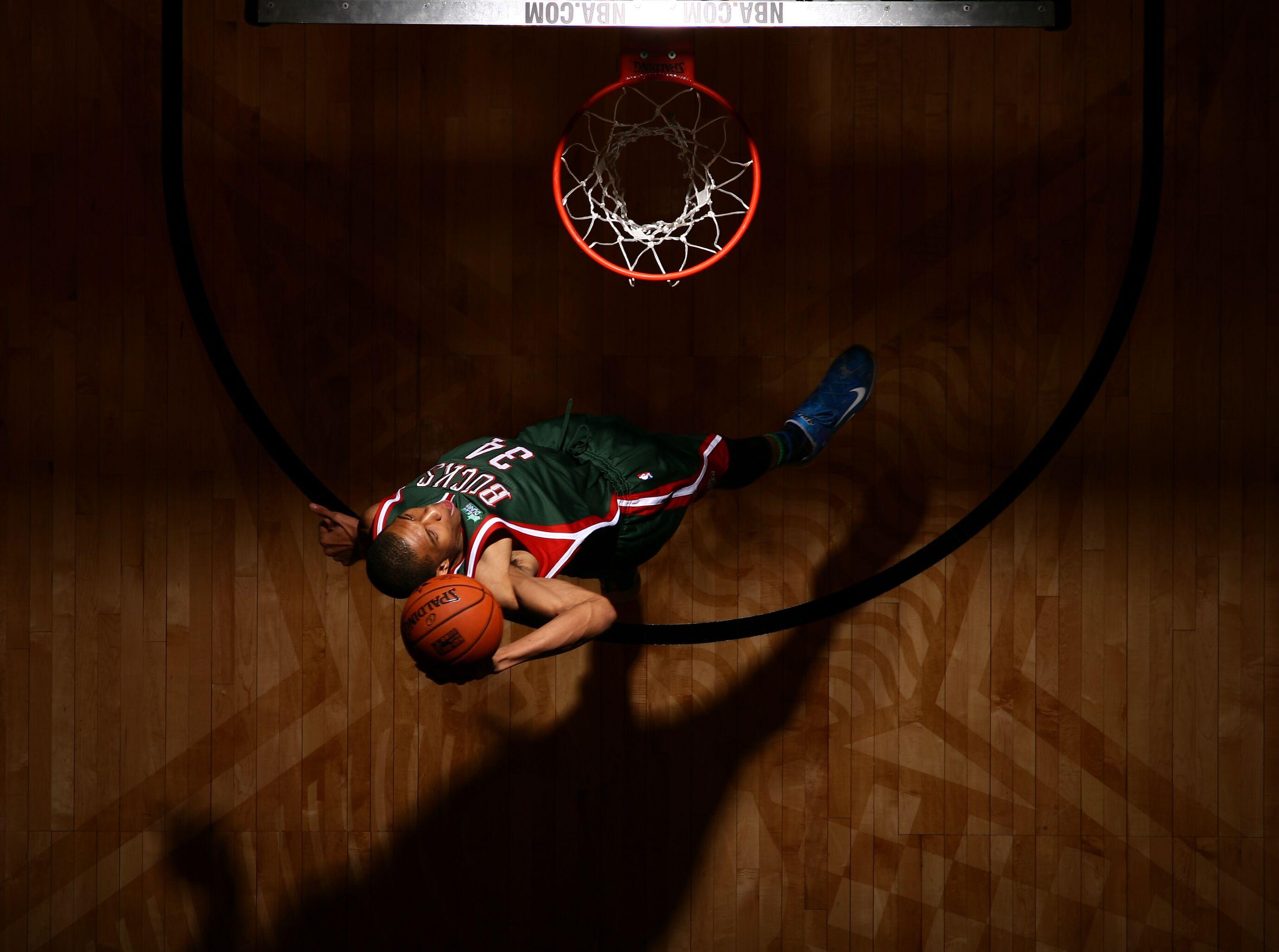 463472942-sprite-slam-dunk-contest-2015.jpg