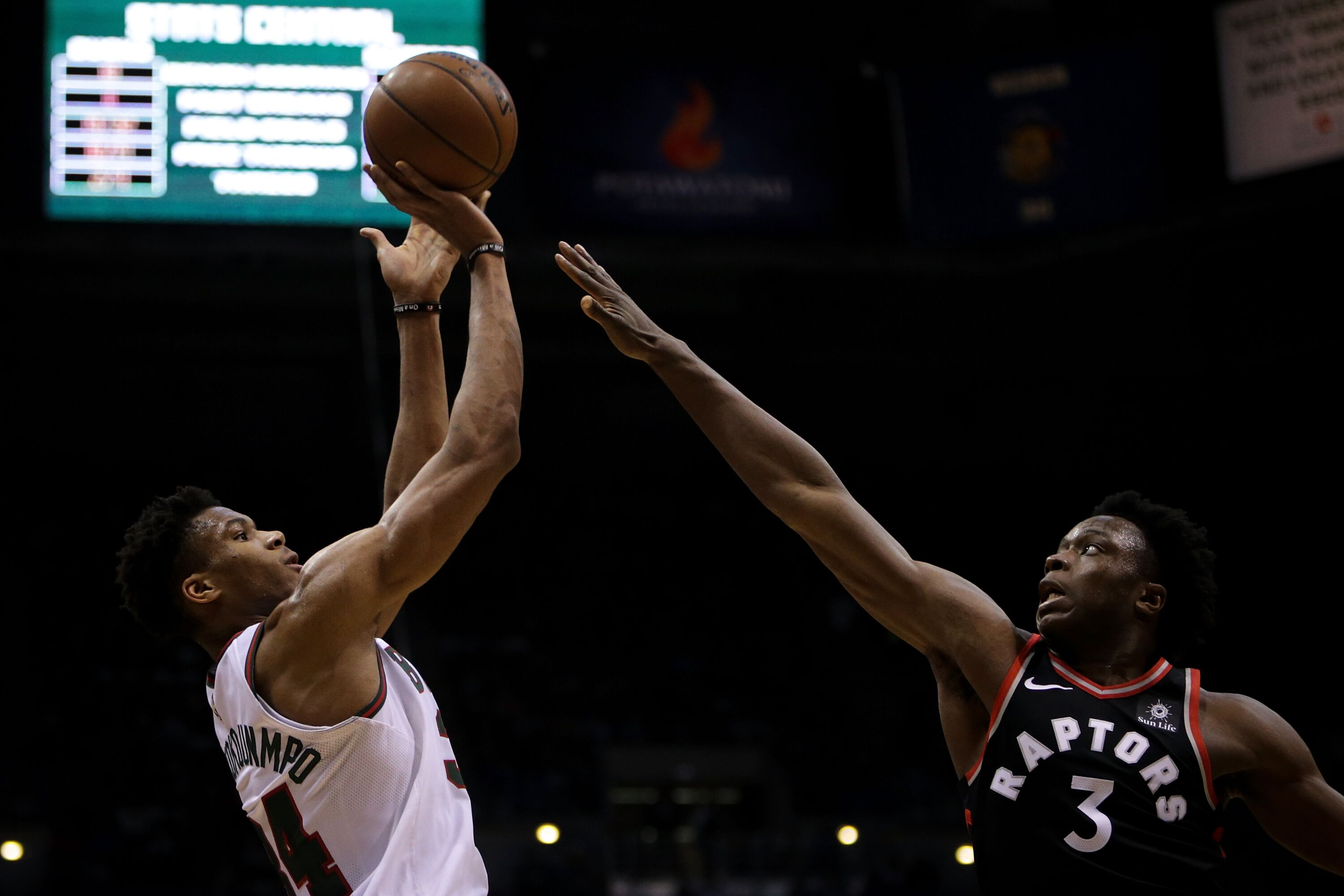 902247840-toronto-raptors-v-milwaukee-bucks.jpg