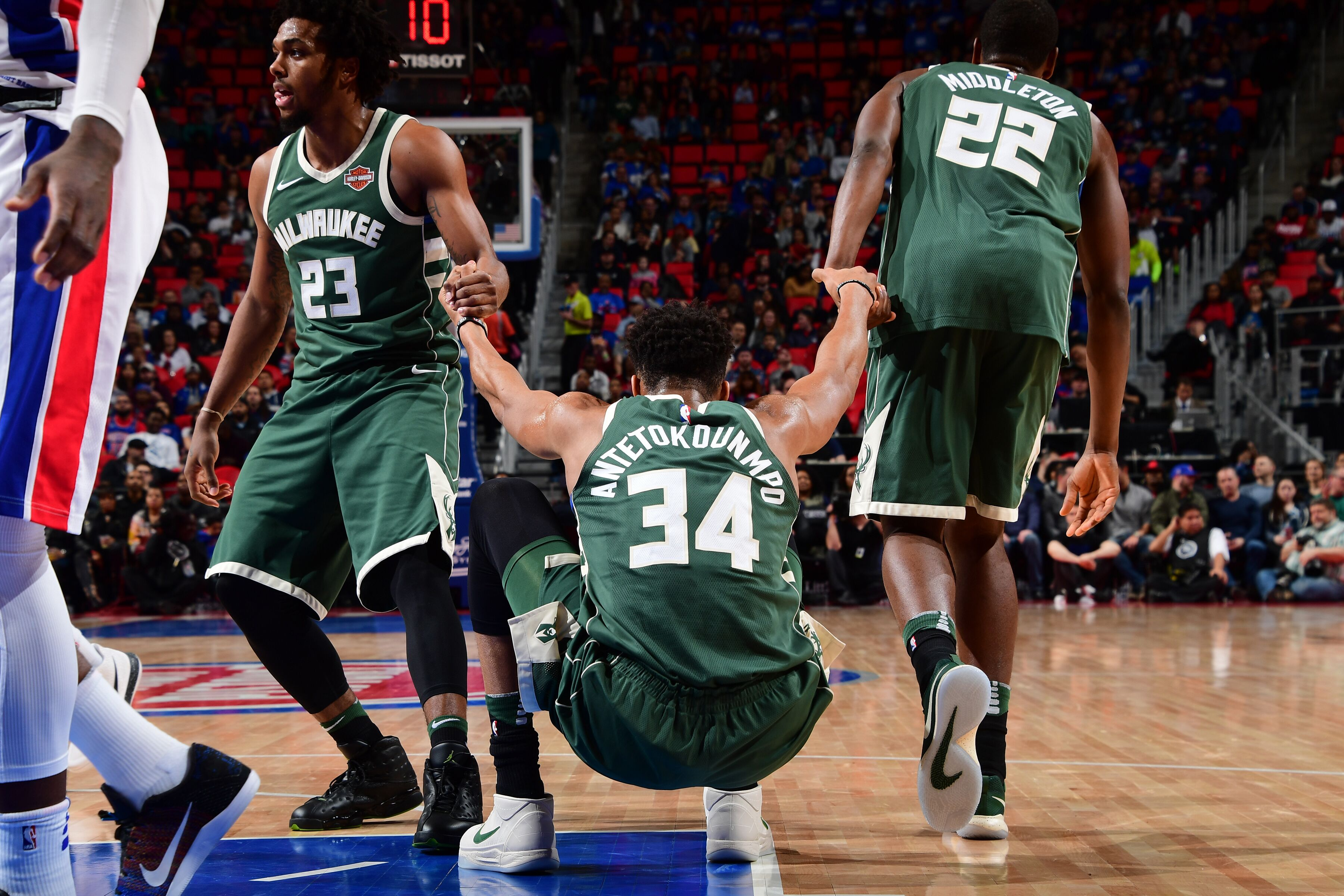 Milwaukee Bucks: One bold prediction for every player