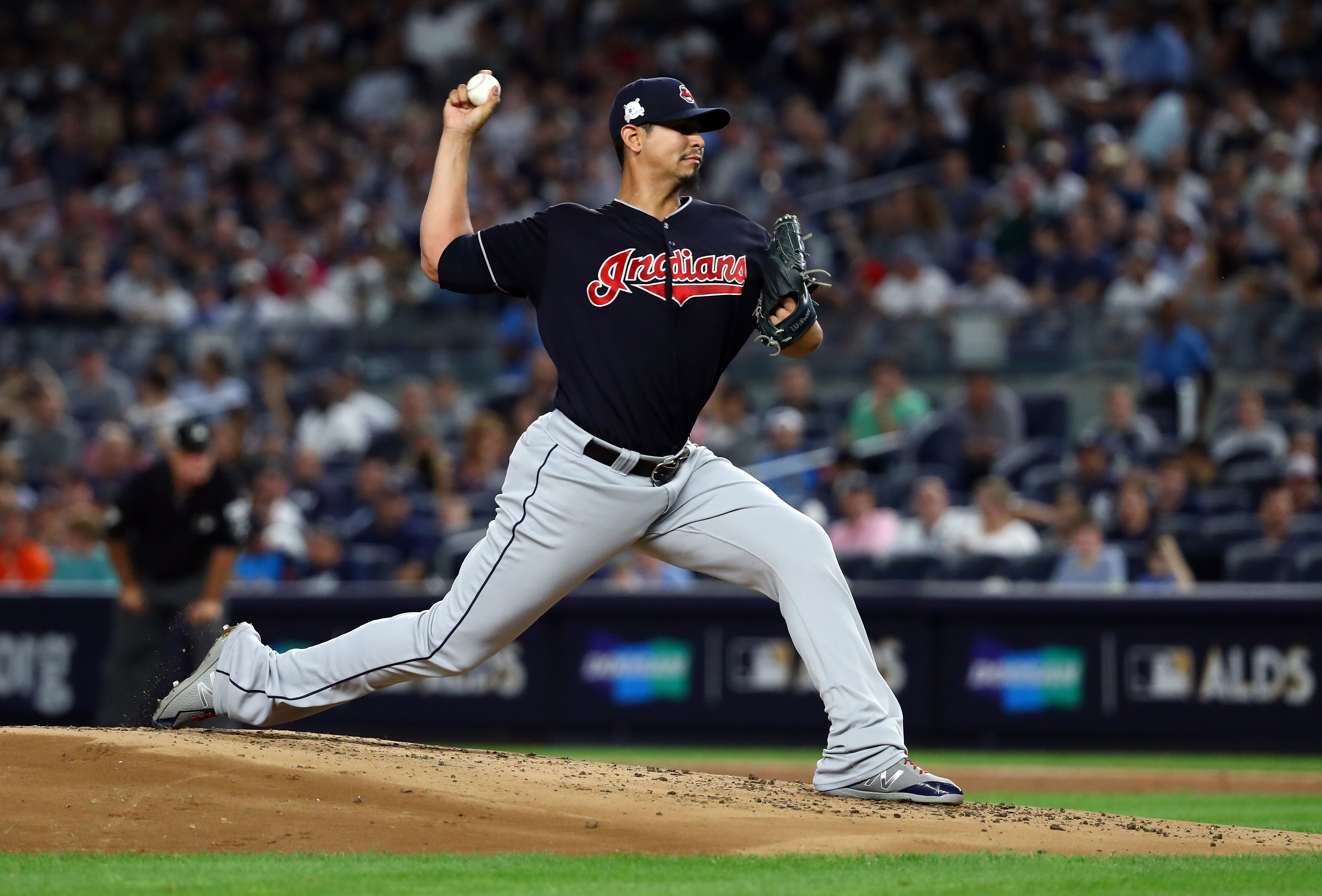 Cleveland Indians extend Carlos Carrasco, open up more trade talk