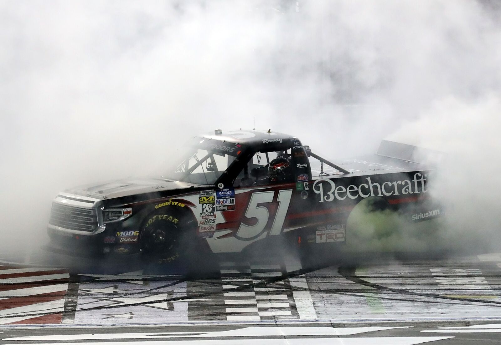 NASCAR Truck Series: Kyle Busch goes 5 for 5, wraps up perfect 2019 season